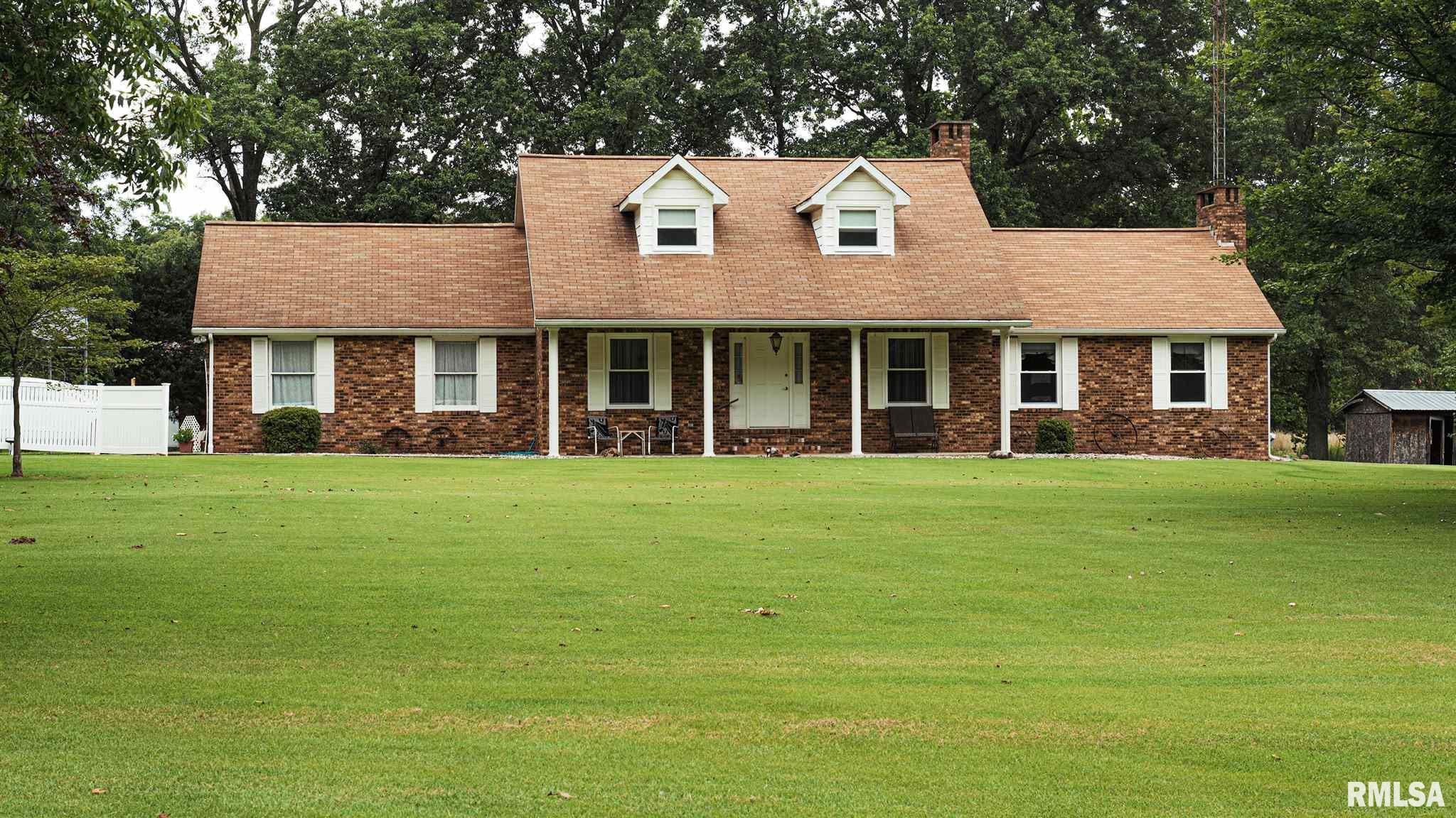 4505 HARRIS Property Photo - Salem, IL real estate listing