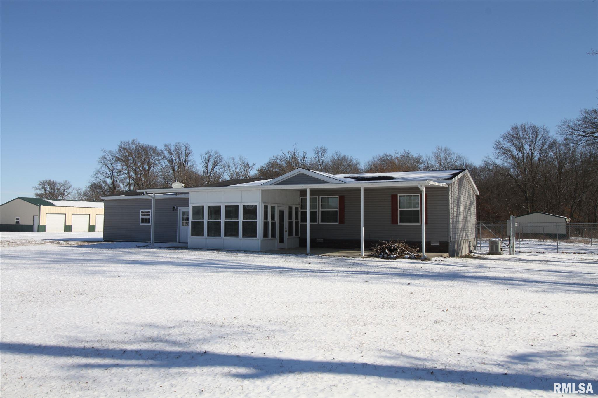 2902 Old Route 51 Property Photo - Sandoval, IL real estate listing