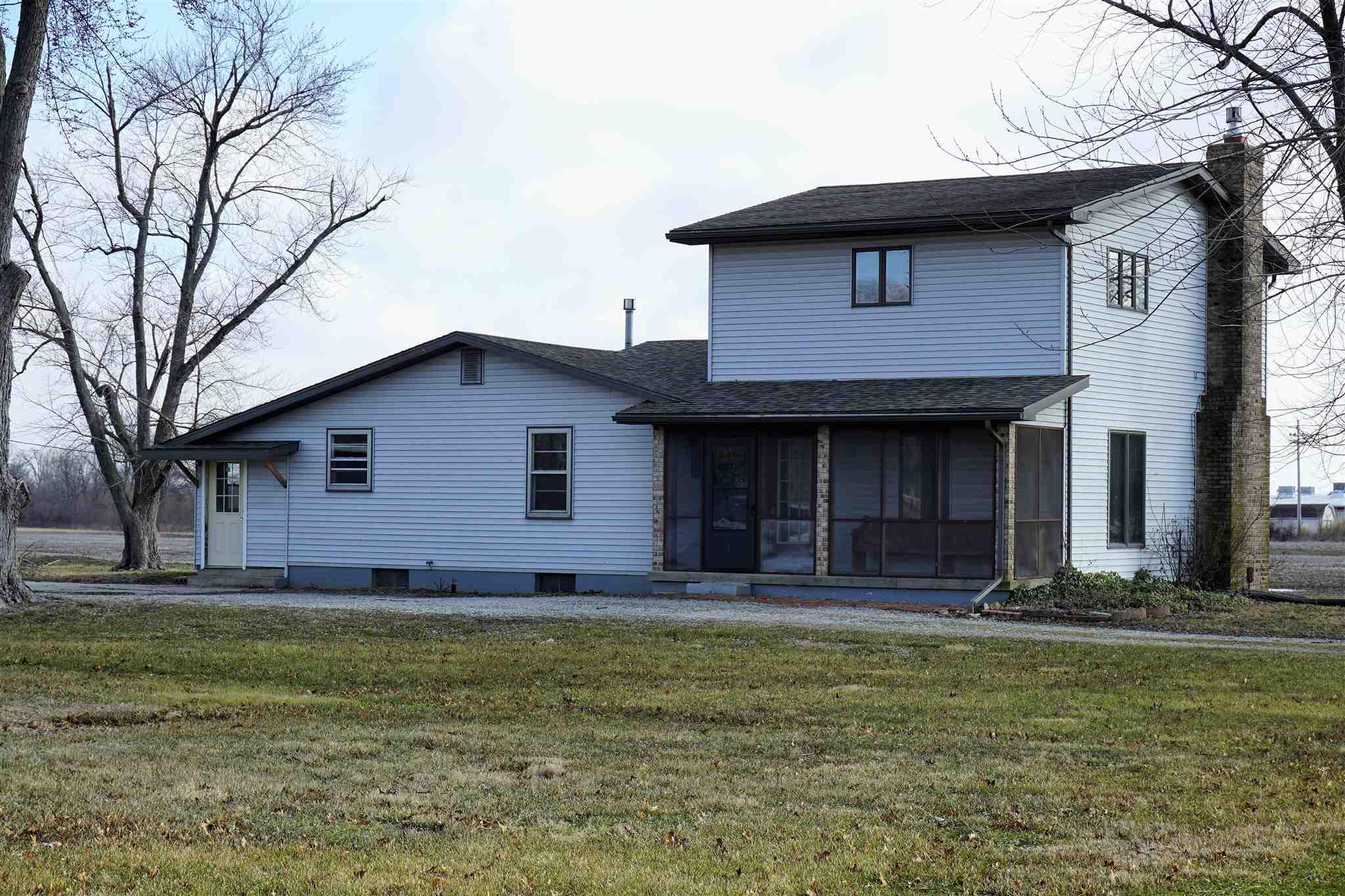 700 E 1ST Property Photo - Kinmundy, IL real estate listing