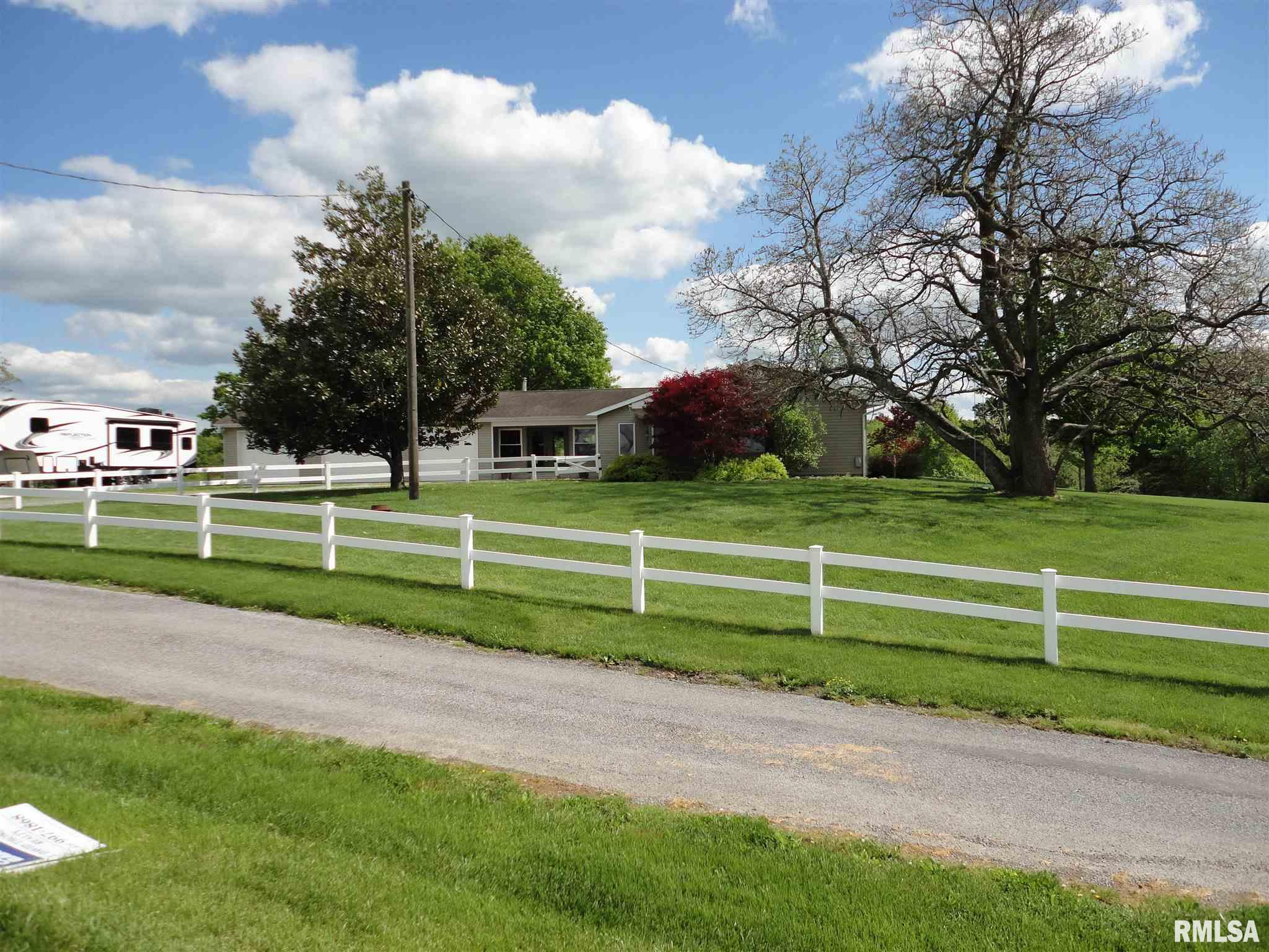 9757 Pulleys Mill Property Photo - Goreville, IL real estate listing