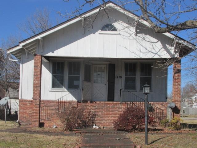 1410 JACKSON Property Photo - Eldorado, IL real estate listing