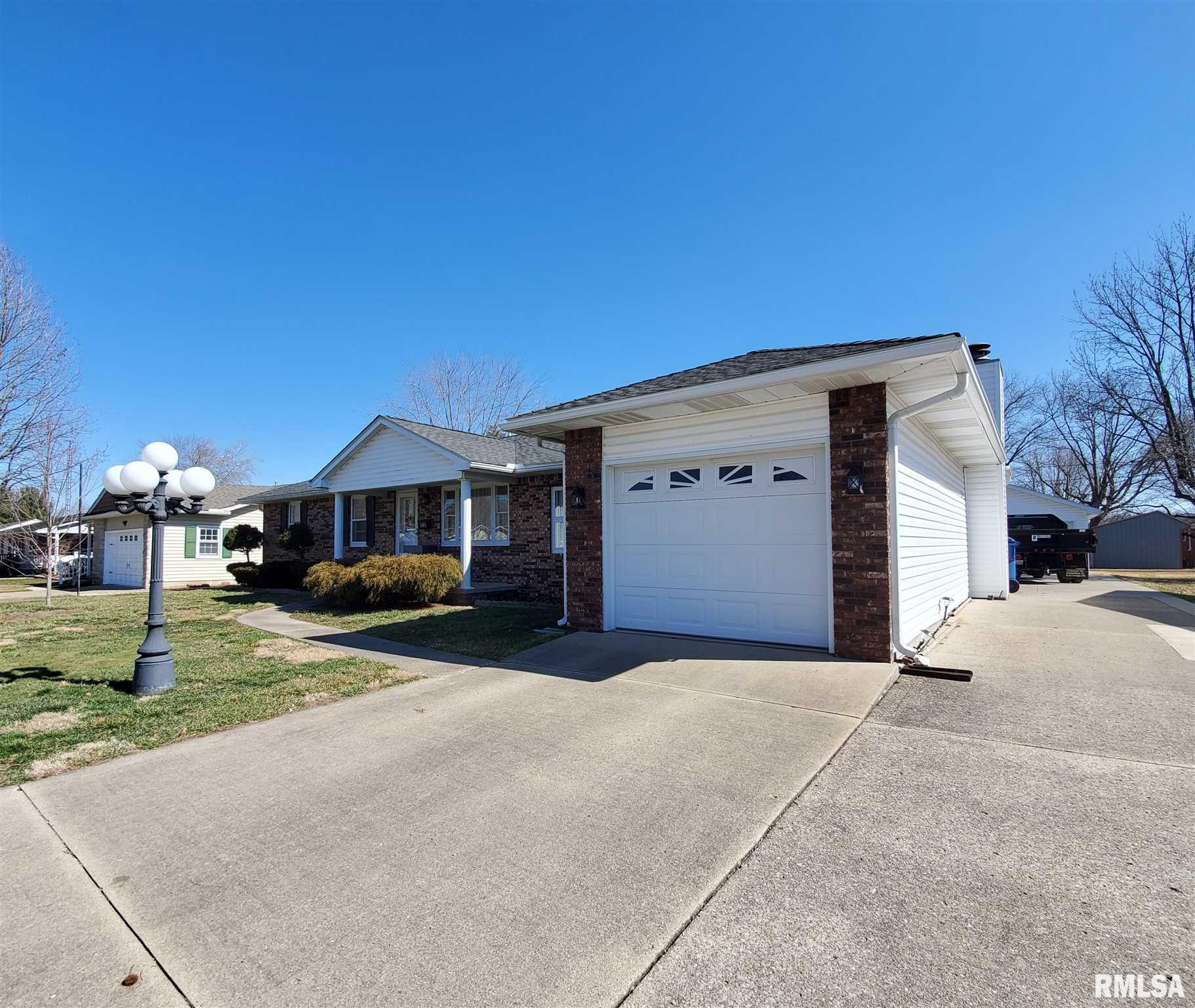 1103 Meadow Hills Drive Property Photo 1