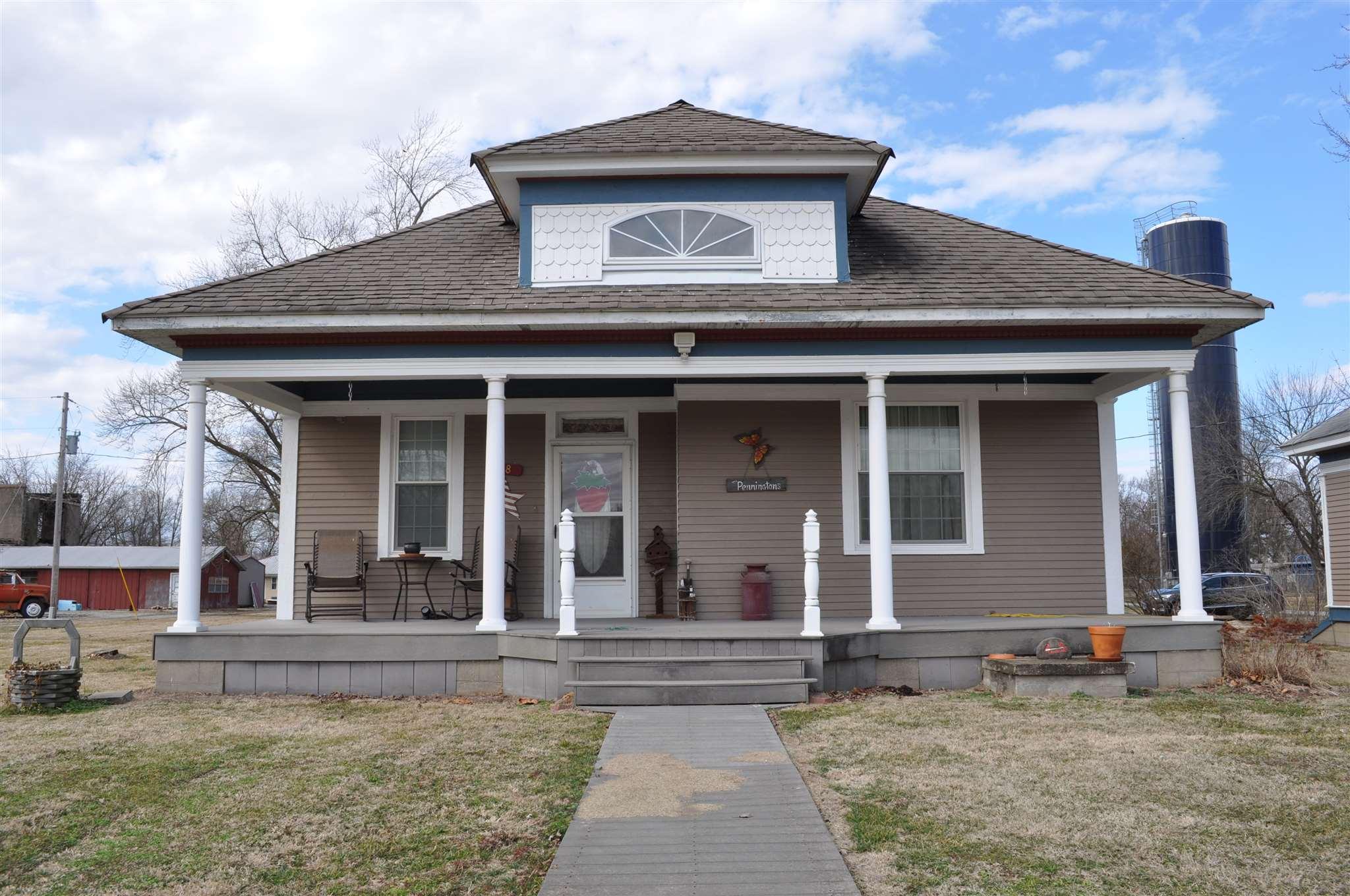 118 N WASHINGTON Property Photo - Geff, IL real estate listing