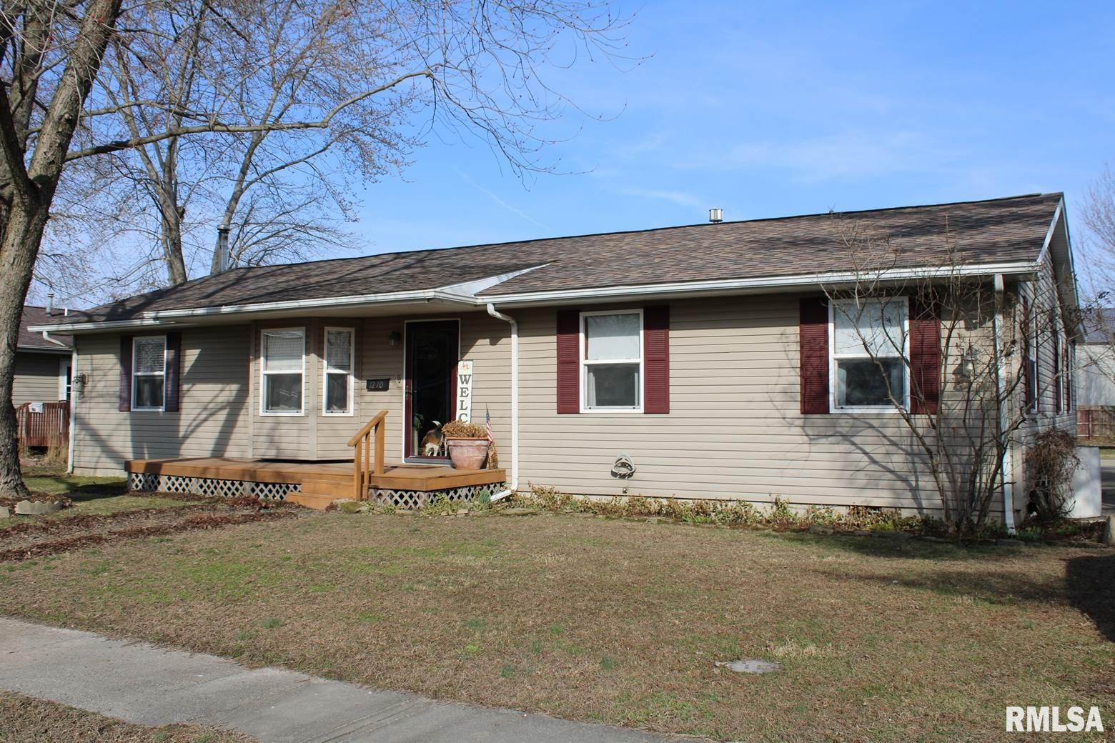 1210 S MAPLE Property Photo - Salem, IL real estate listing