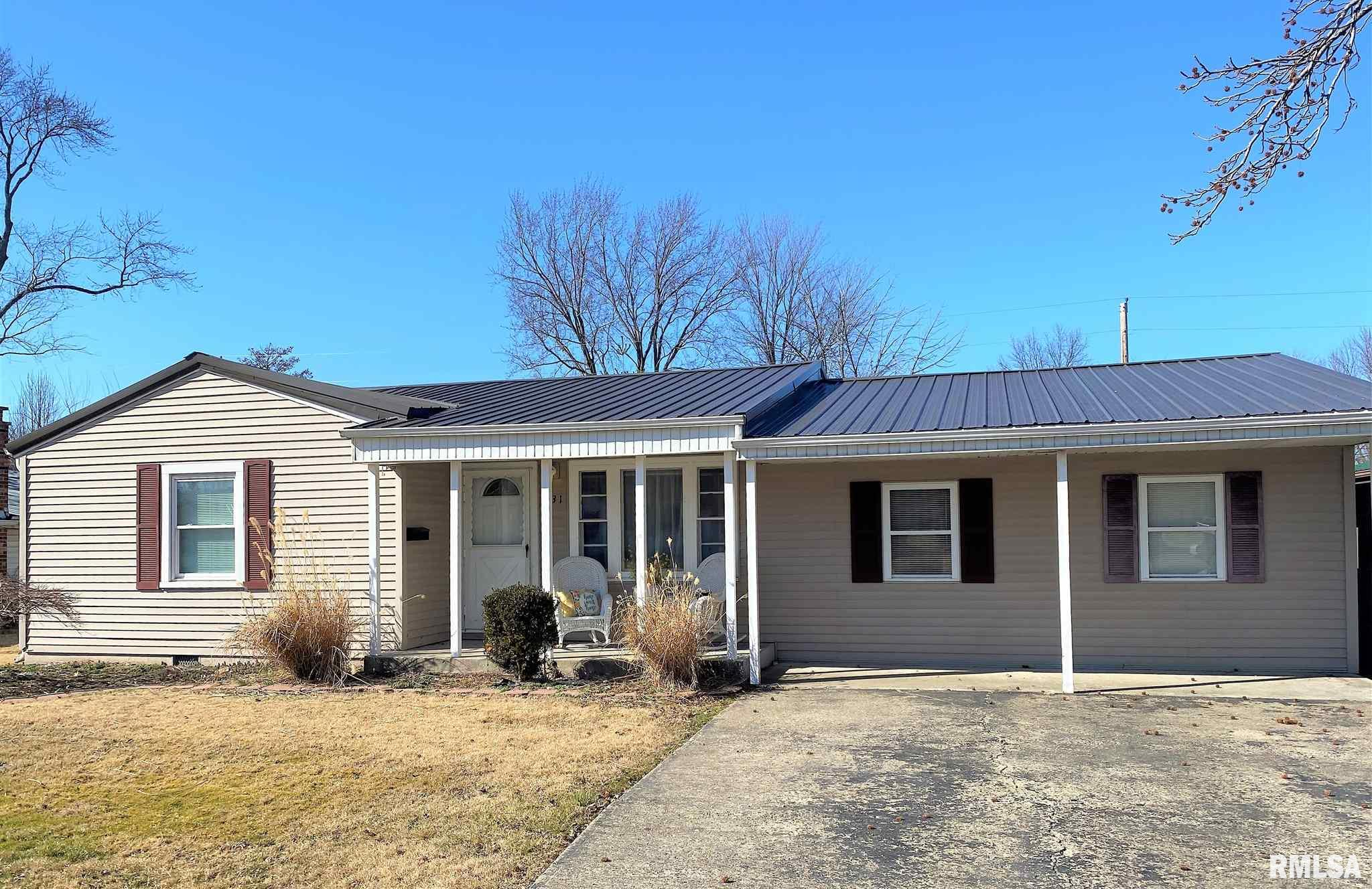 731 E 4TH Property Photo - Flora, IL real estate listing
