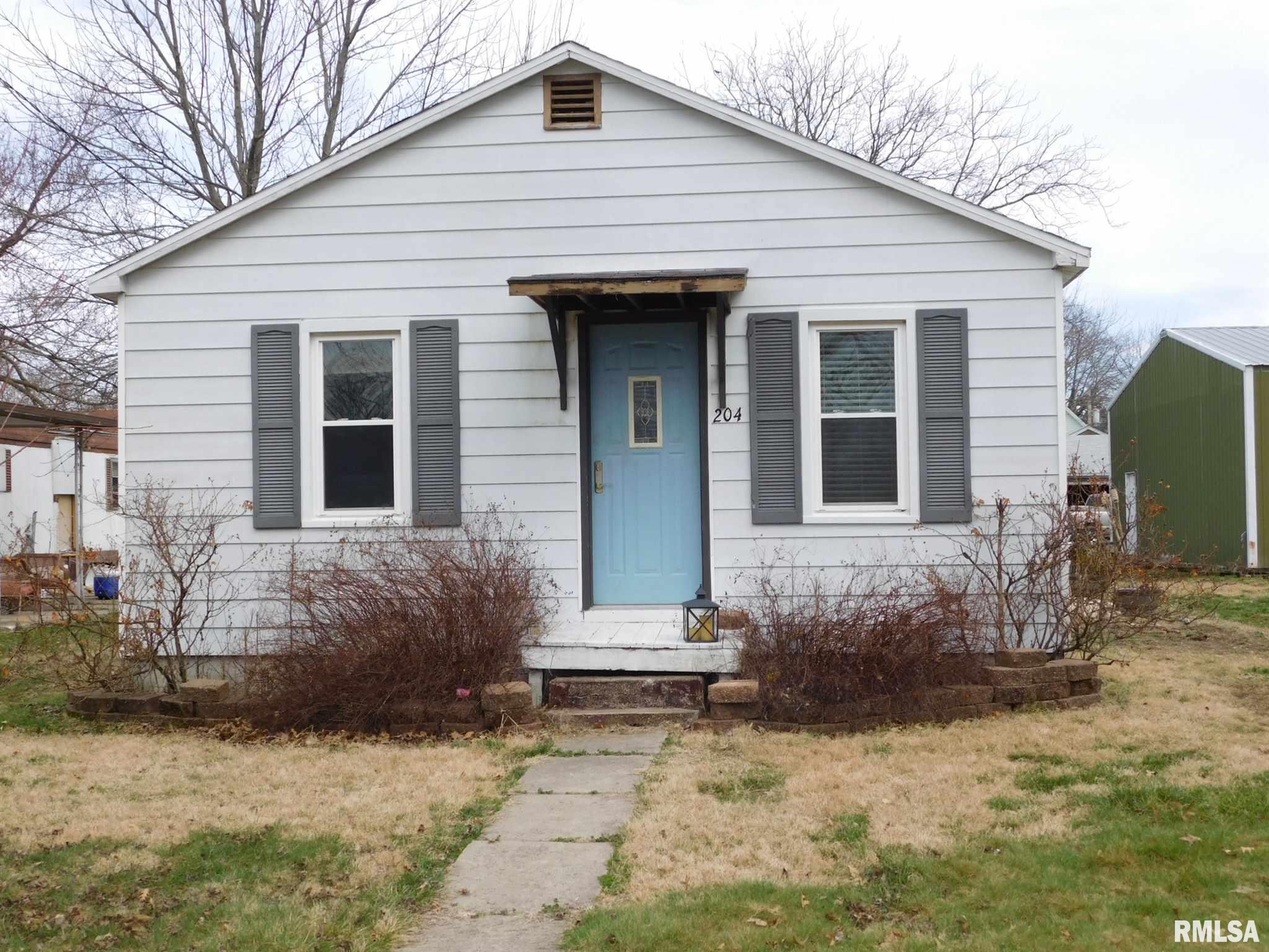 204 S MAPLE Property Photo - Sandoval, IL real estate listing