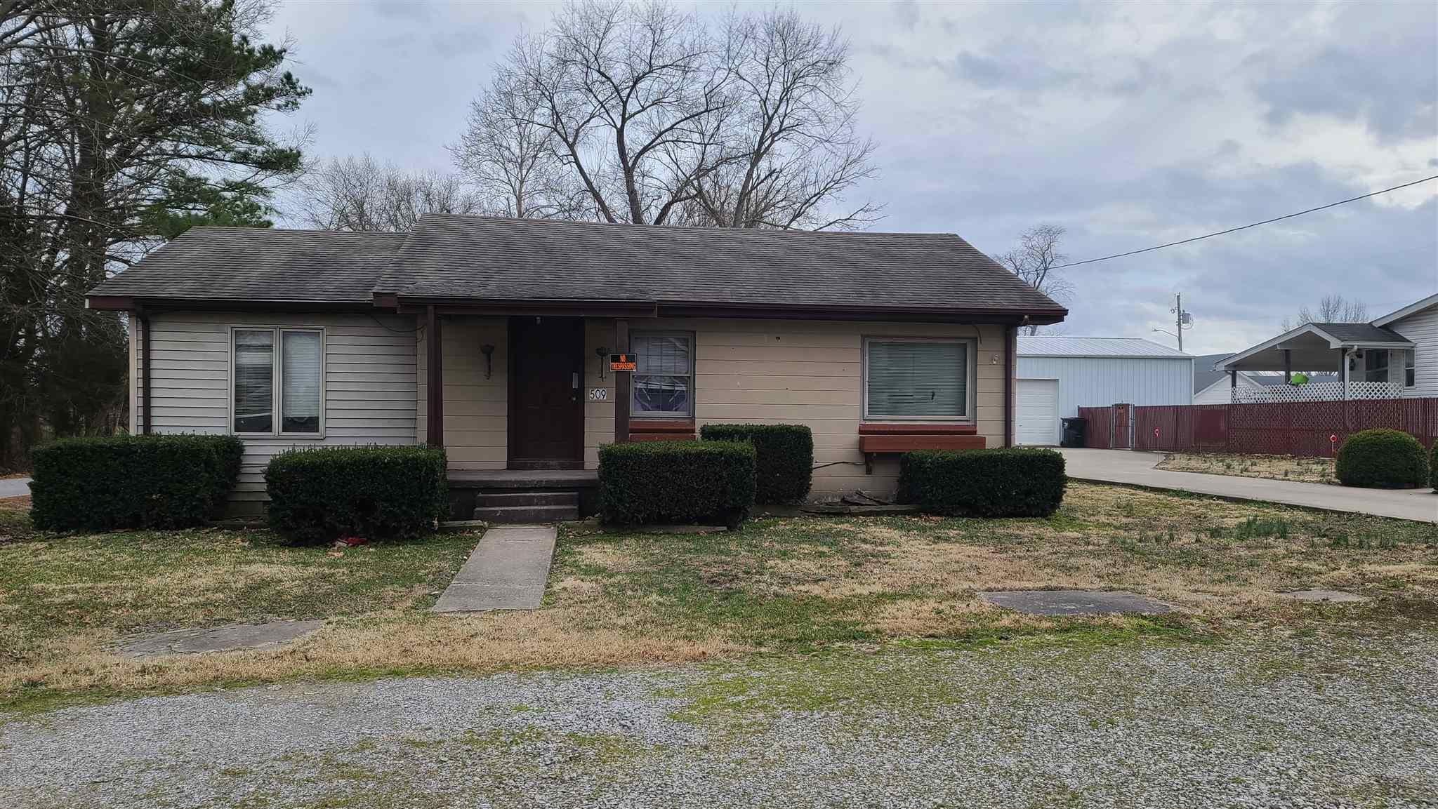 509 E LINCOLN Property Photo - Galatia, IL real estate listing