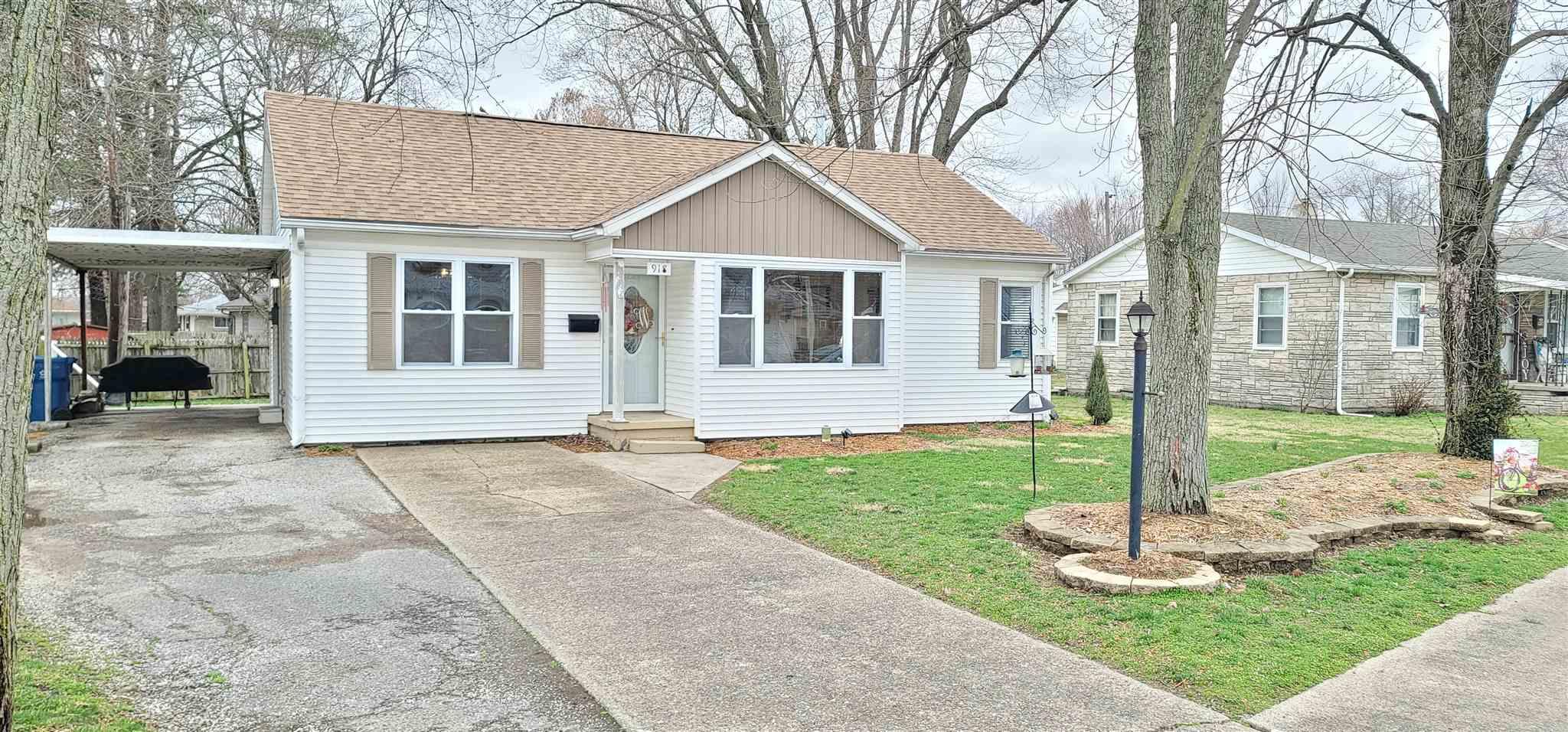 918 11TH Property Photo - Mt Carmel, IL real estate listing