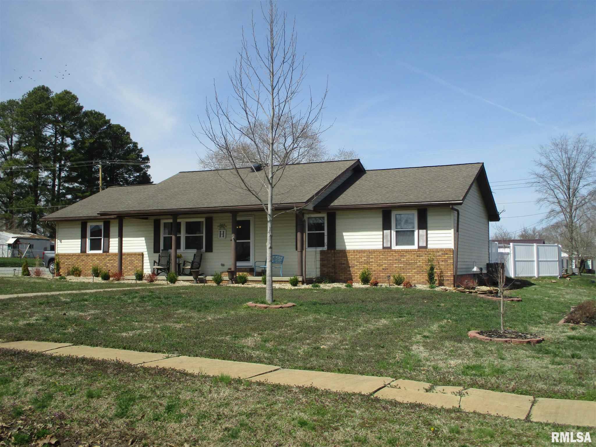 62891 Real Estate Listings Main Image
