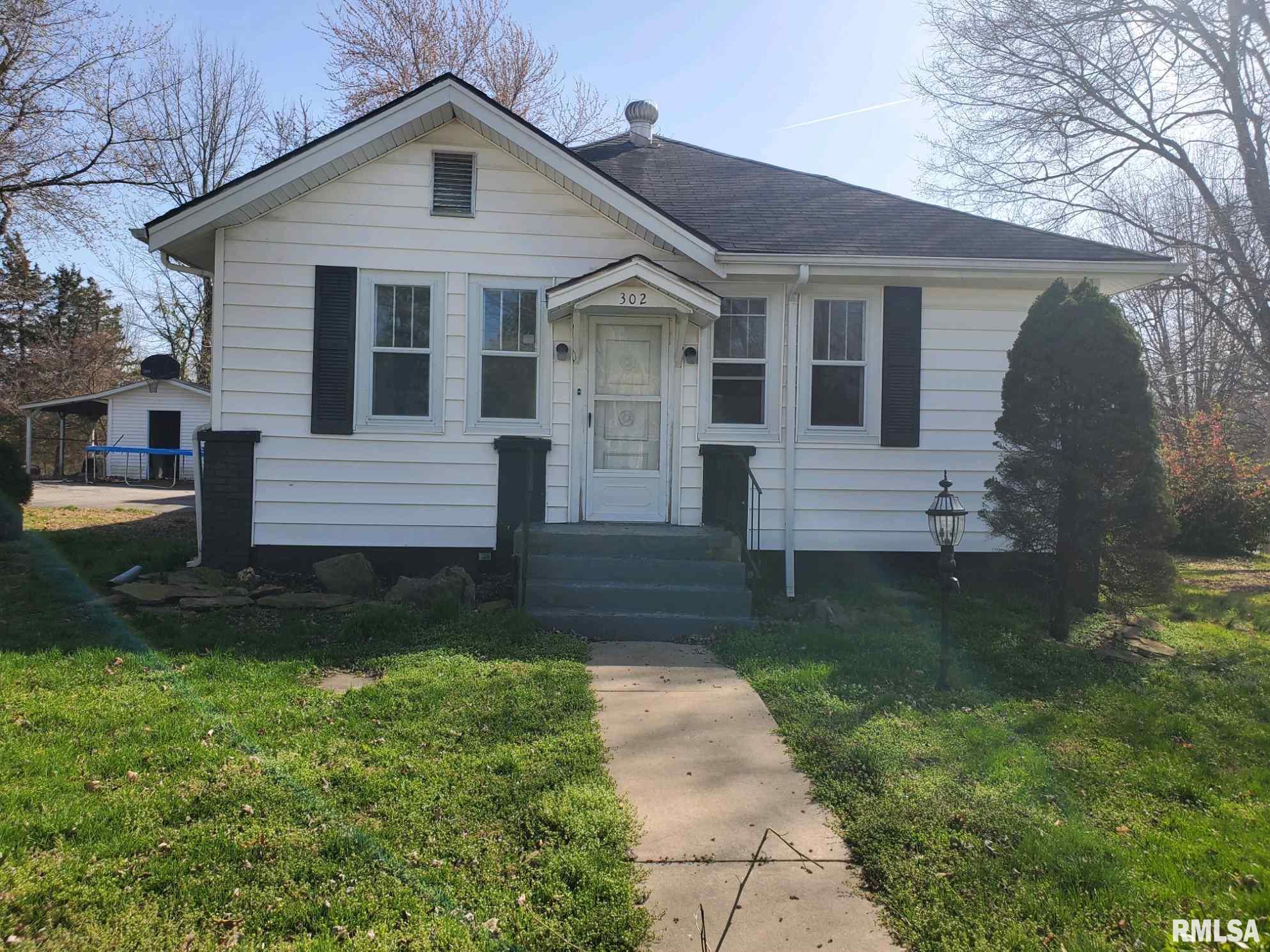302 W WALNUT Property Photo - Jonesboro, IL real estate listing