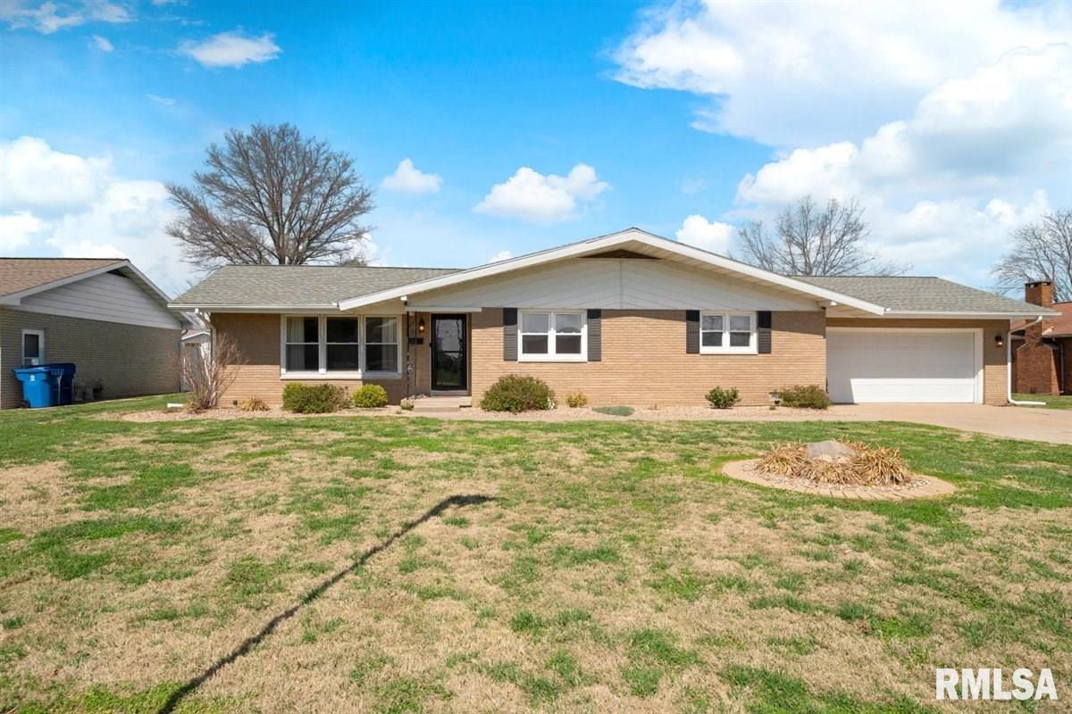 512 Bohleber Property Photo - Carmi, IL real estate listing