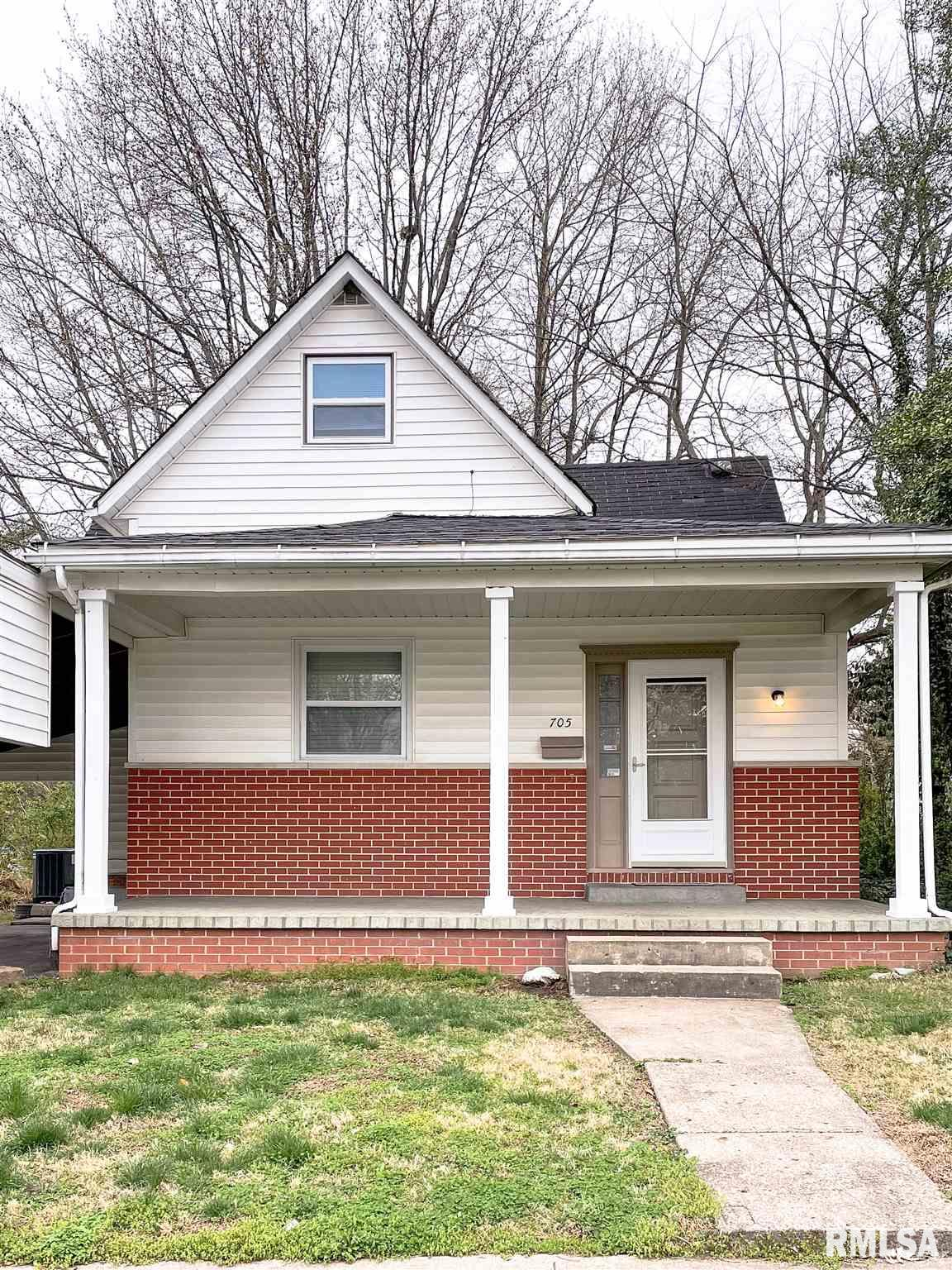 705 S 18th Street Property Photo 1