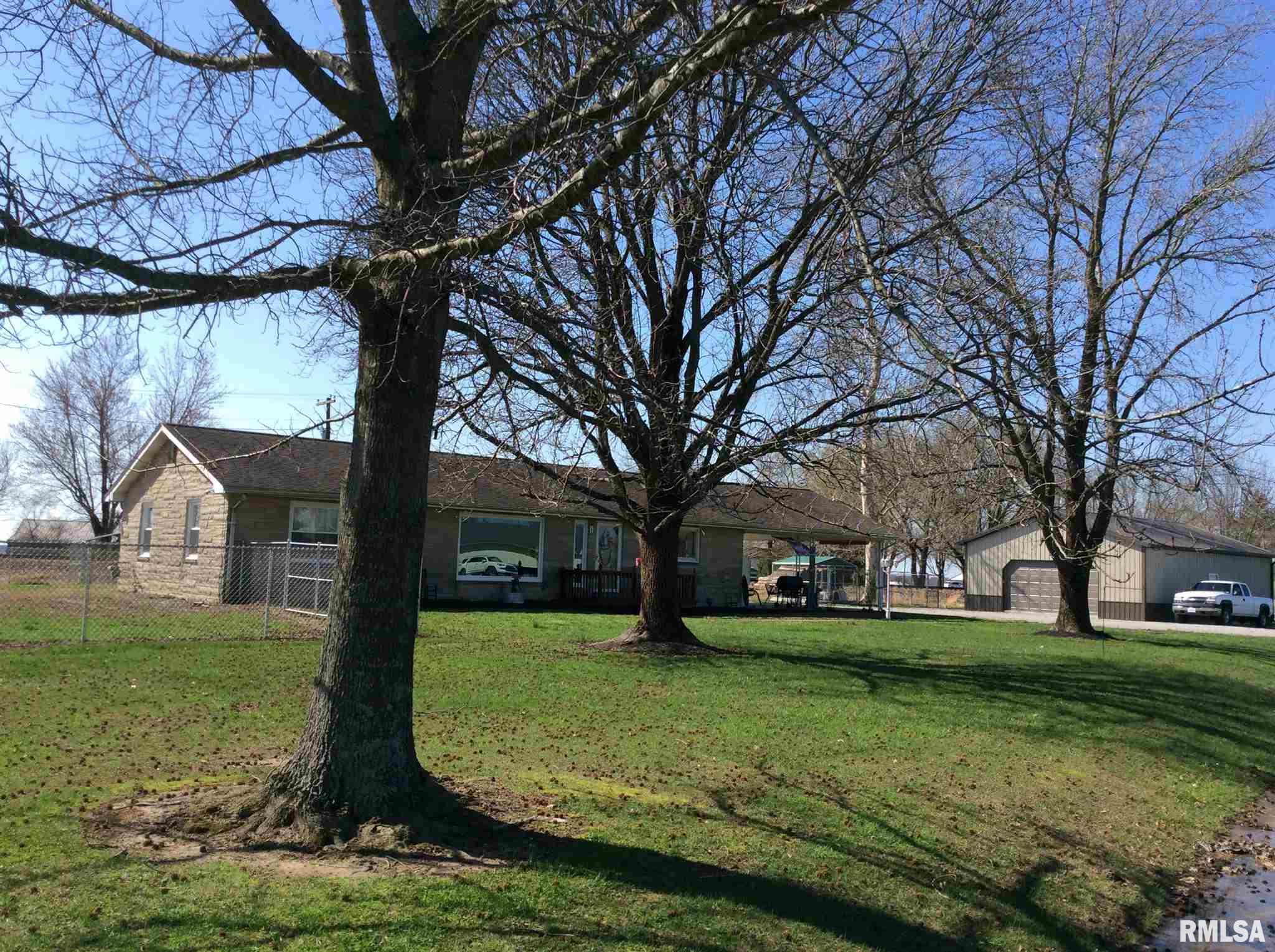 1363 W ROBINSON Property Photo - Wayne City, IL real estate listing