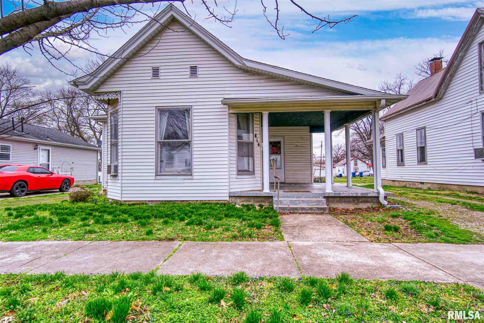 414 W 4TH Property Photo - Mt Carmel, IL real estate listing