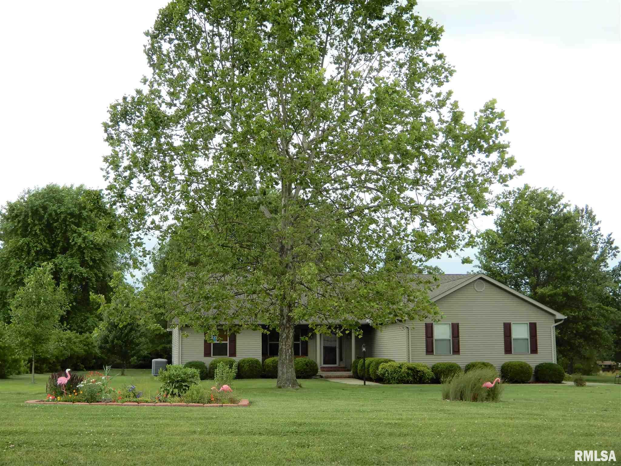 2469 N Reed Station Property Photo - Carbondale, IL real estate listing