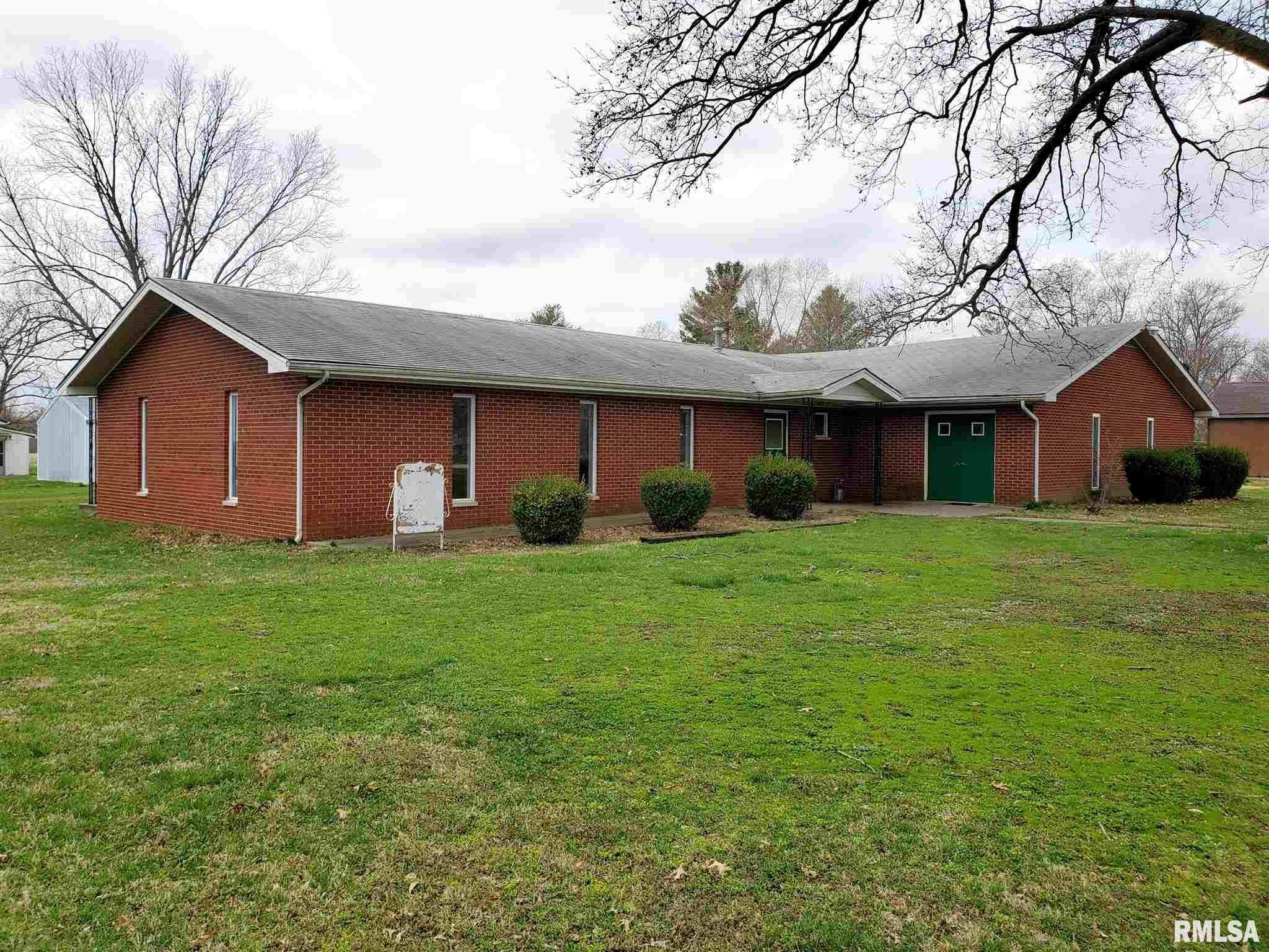 701 S Gum Property Photo - Belle Rive, IL real estate listing