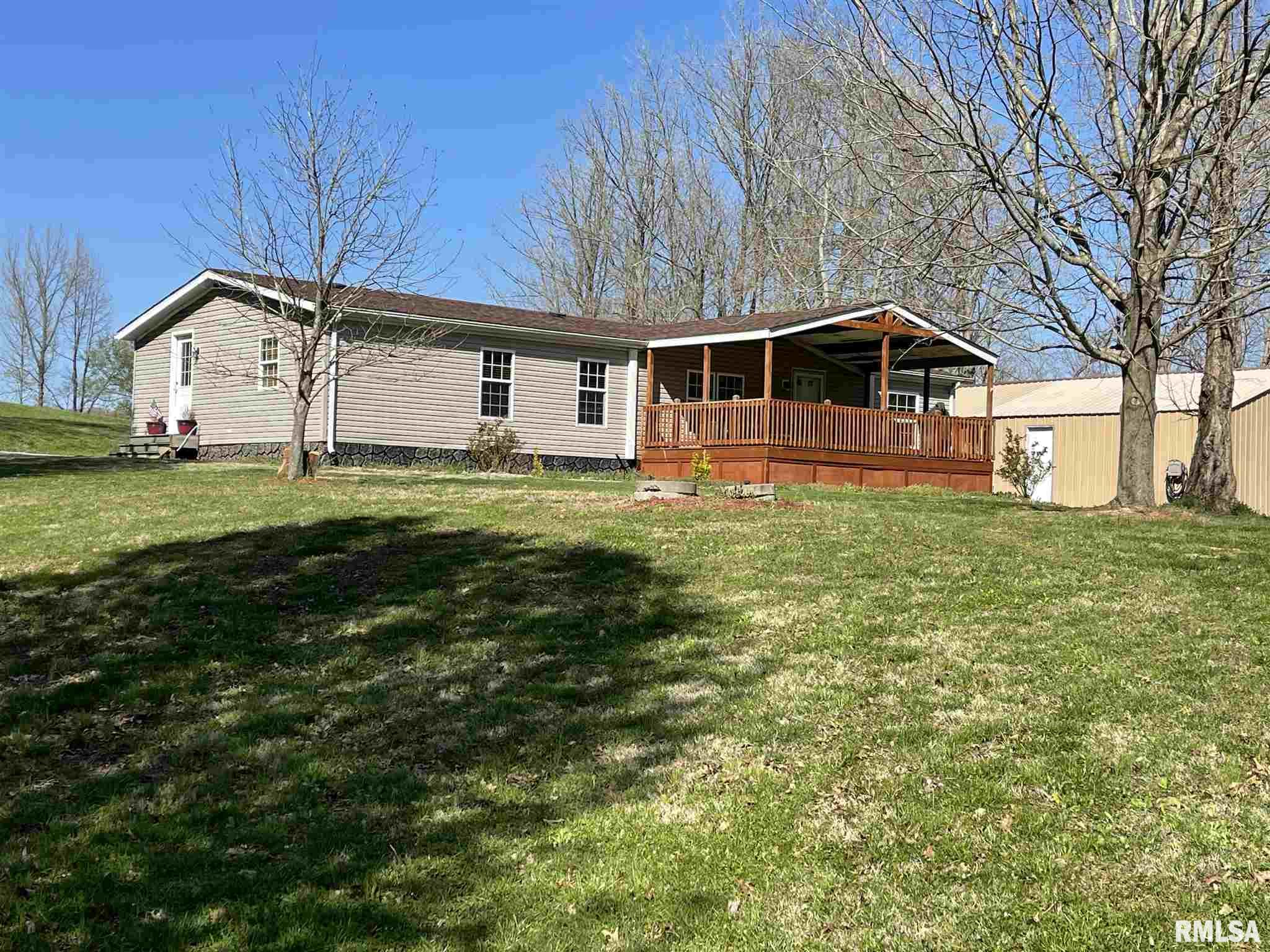 2040 State Pond Property Photo - Jonesboro, IL real estate listing