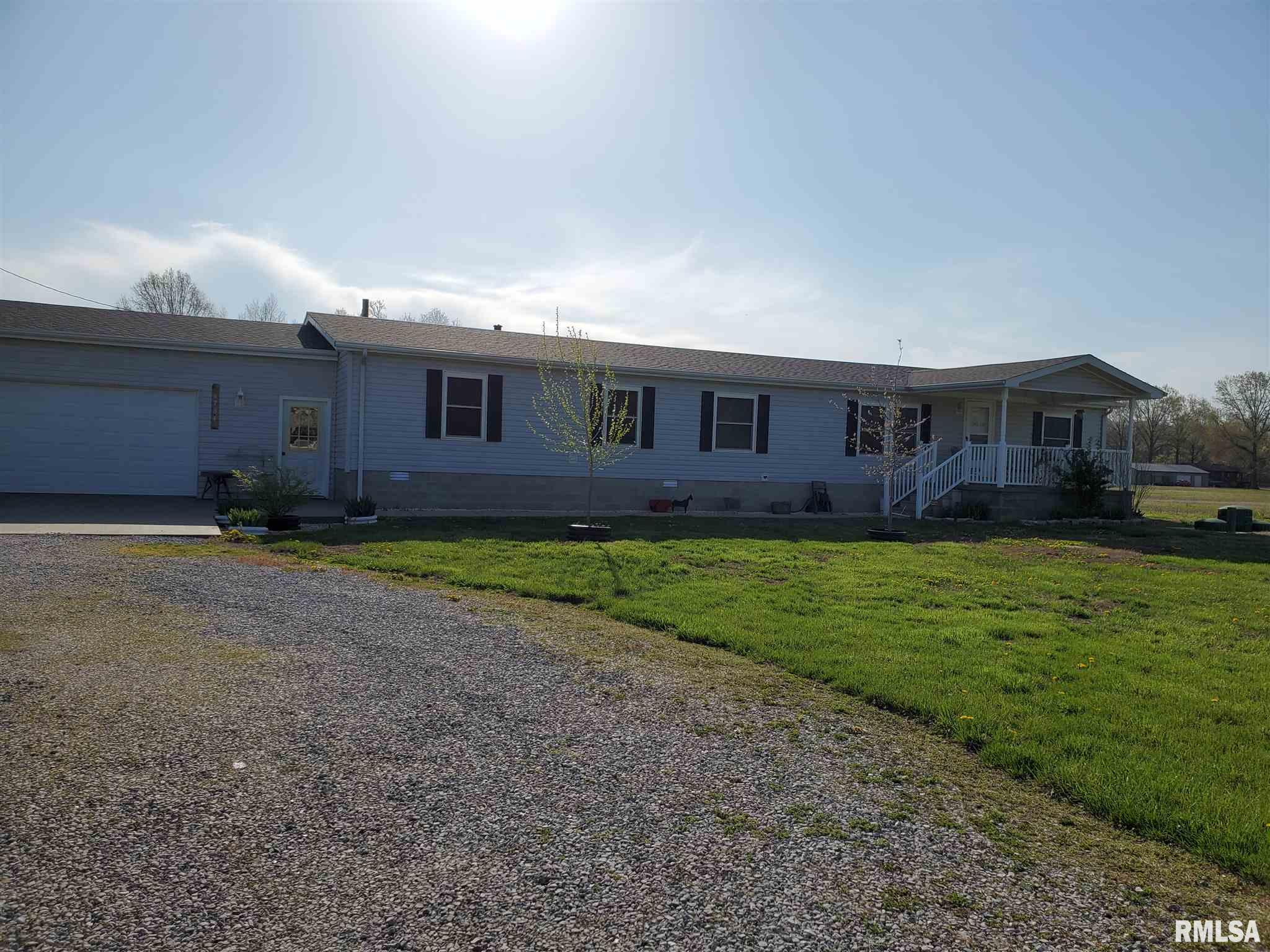 6784 State Route 127 Property Photo - Pinckneyville, IL real estate listing