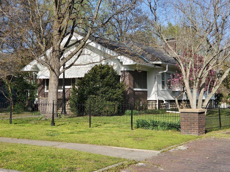338 N VINE Property Photo - Duquoin, IL real estate listing