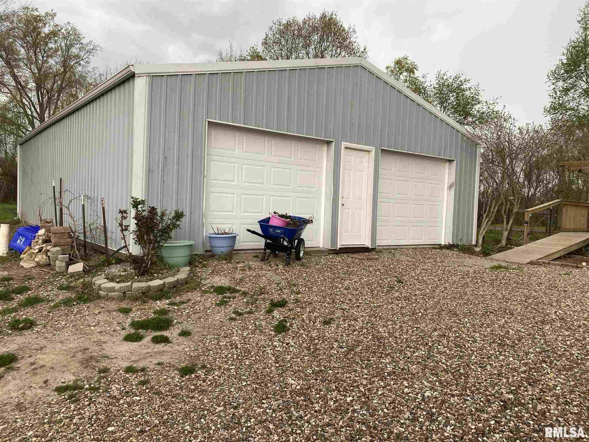 6952 W Pleasant Hill Road Property Photo 1
