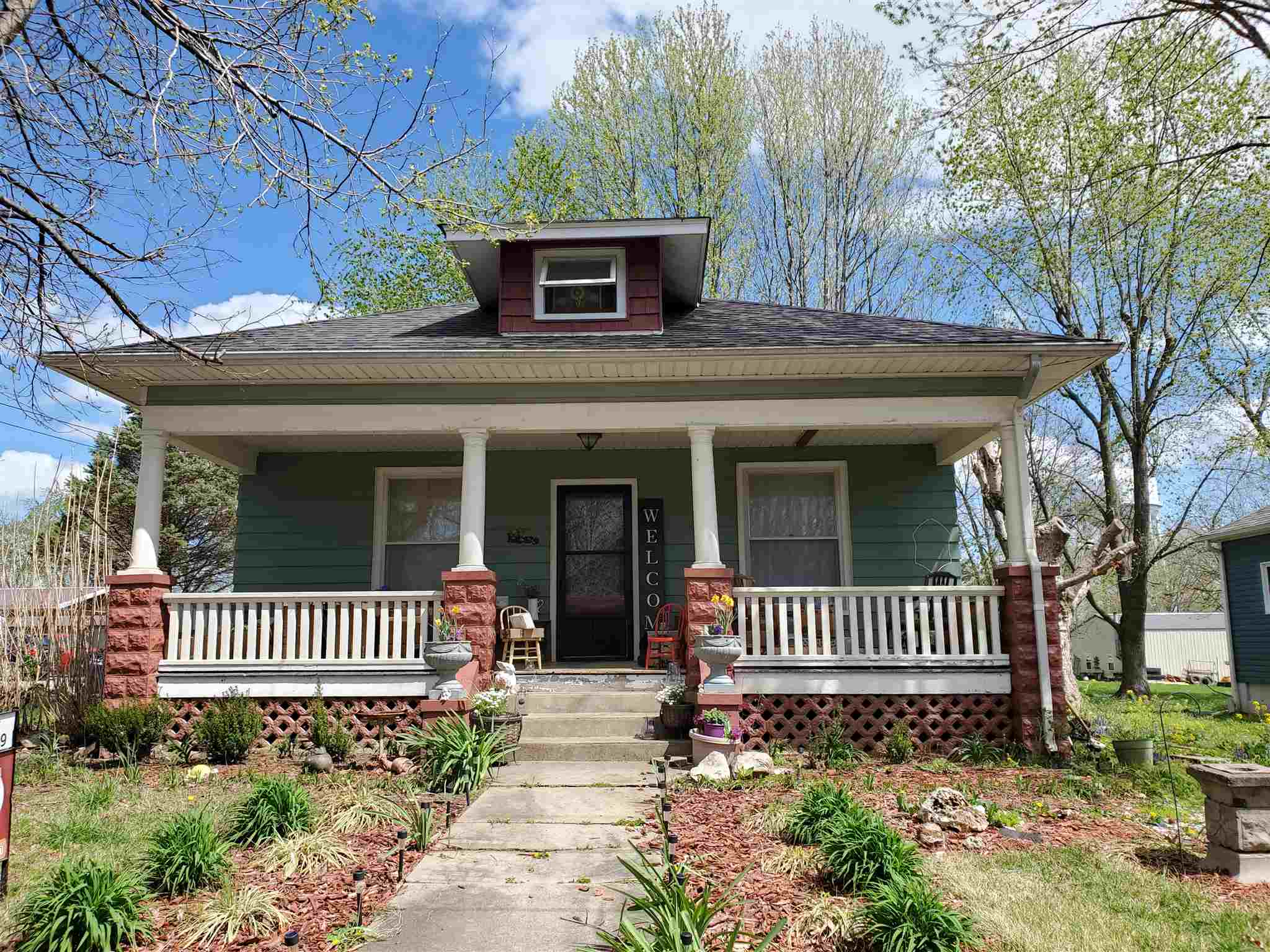 402 S GARFIELD Property Photo - Steeleville, IL real estate listing
