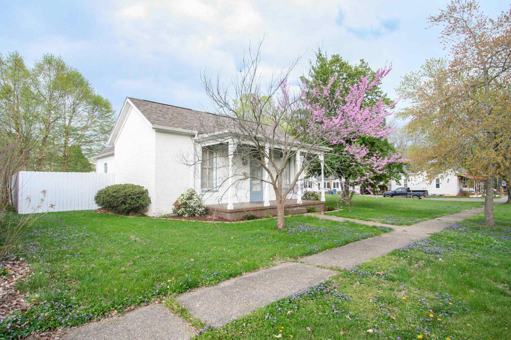 111 W Kerney Property Photo - Carmi, IL real estate listing