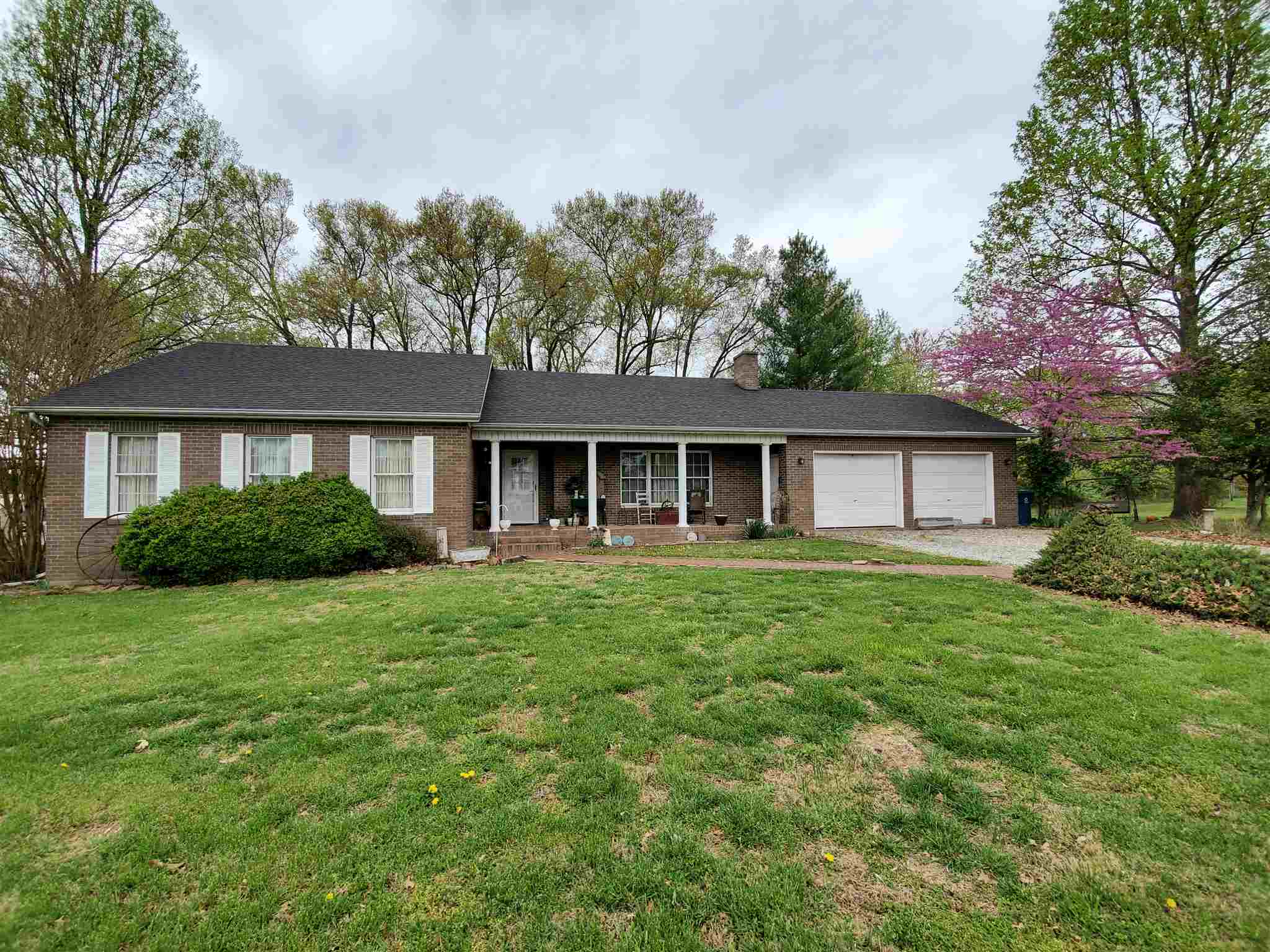 1102 ALAN Property Photo - McLeansboro, IL real estate listing