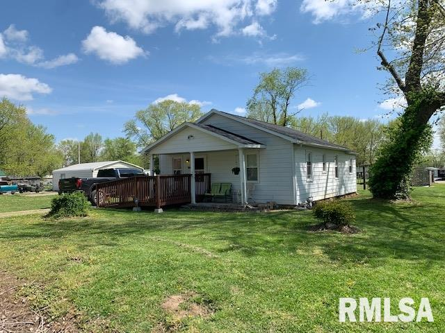 210 S Crosno Property Photo - Bonnie, IL real estate listing
