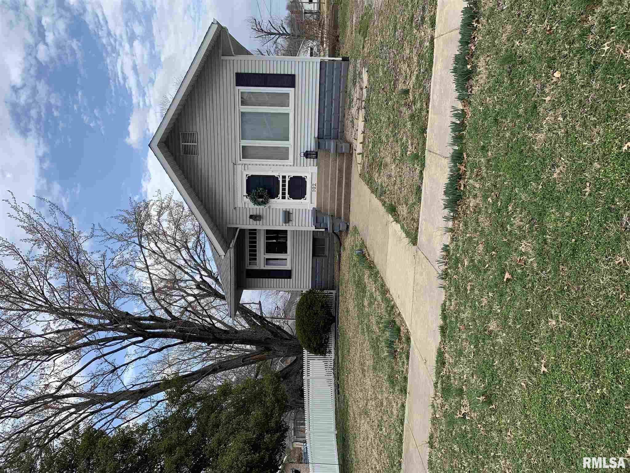 102 LAUREL Property Photo - Duquoin, IL real estate listing