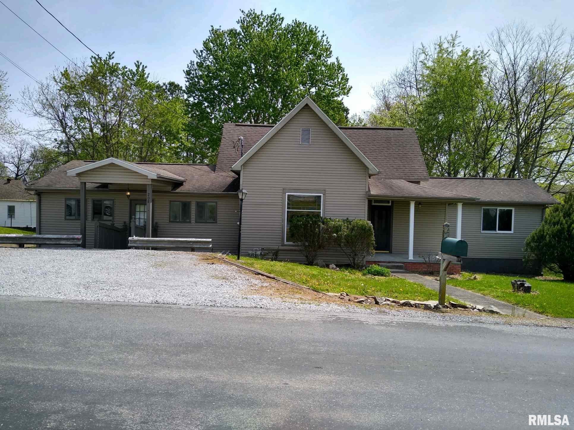 208 N 3RD Property Photo - Vienna, IL real estate listing