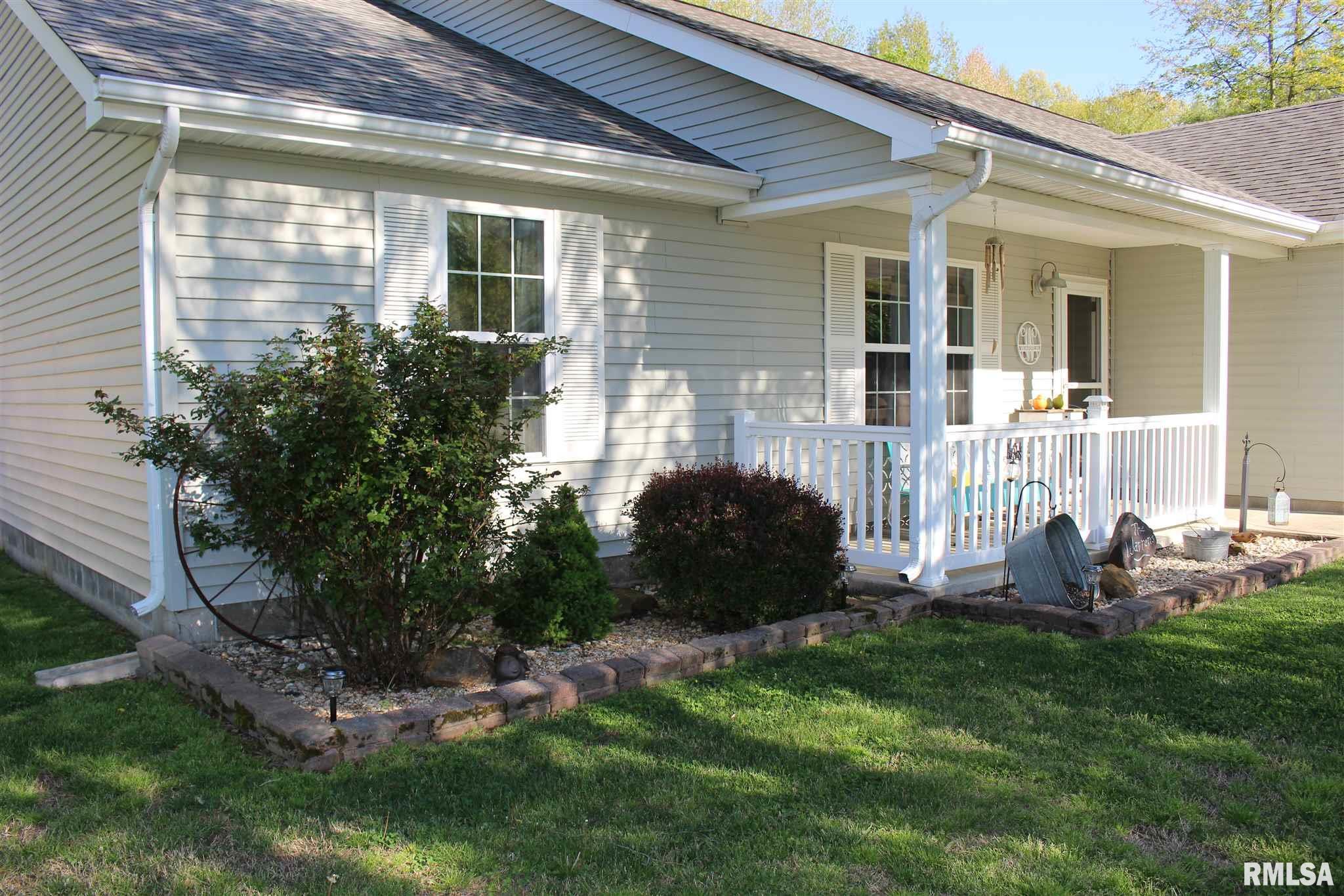 200 Pin Oak Lane Property Photo 1