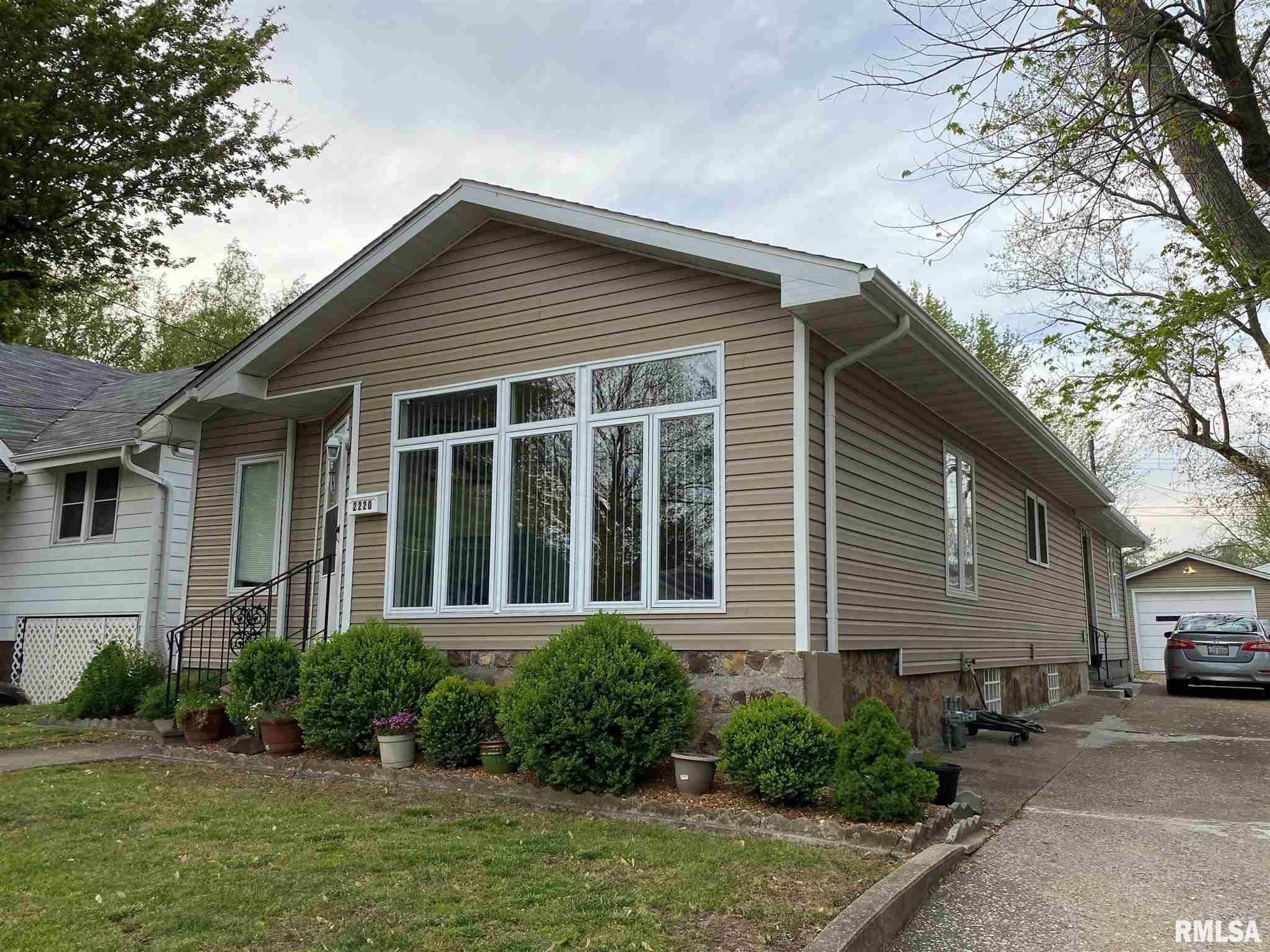 2220 Clay Street Property Photo 1
