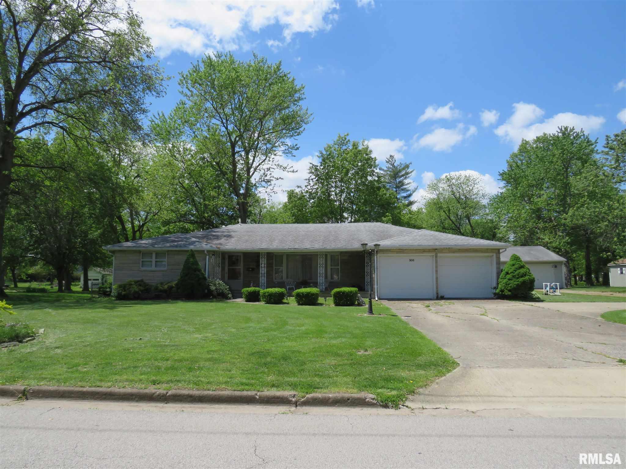 331 ILLINOIS Property Photo - Salem, IL real estate listing