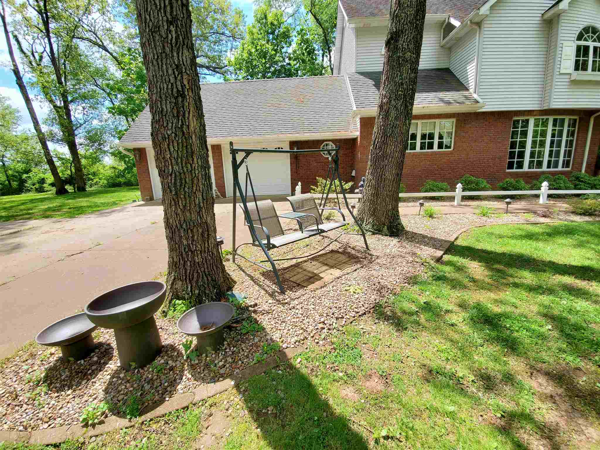 605 S Woodland Avenue Property Photo 1