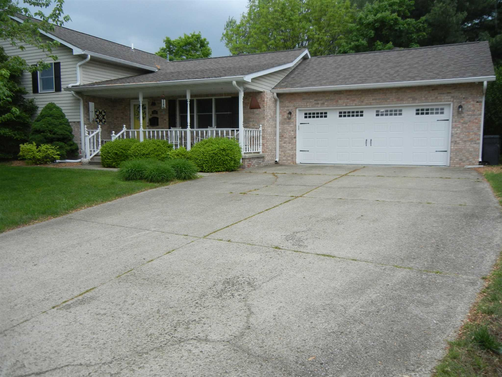510 WILLOW Property Photo - Salem, IL real estate listing