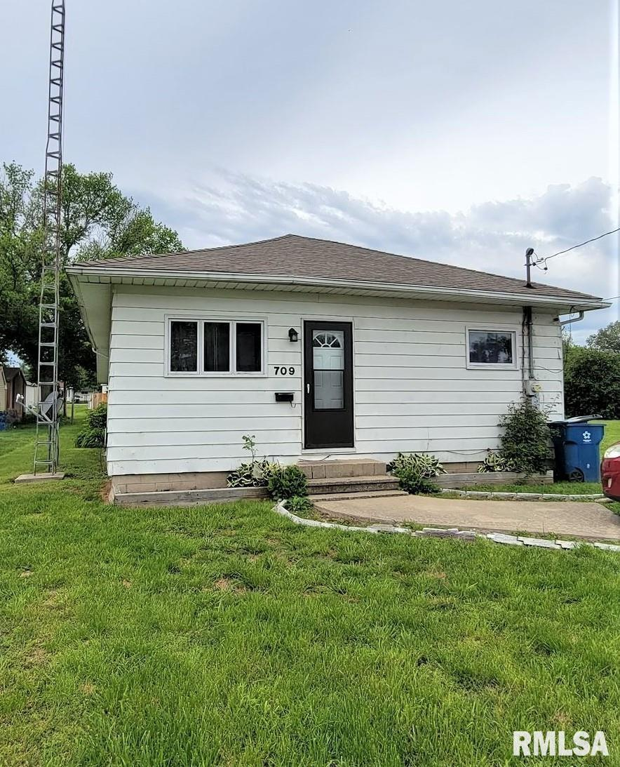 709 S THOMAS Property Photo - Christopher, IL real estate listing