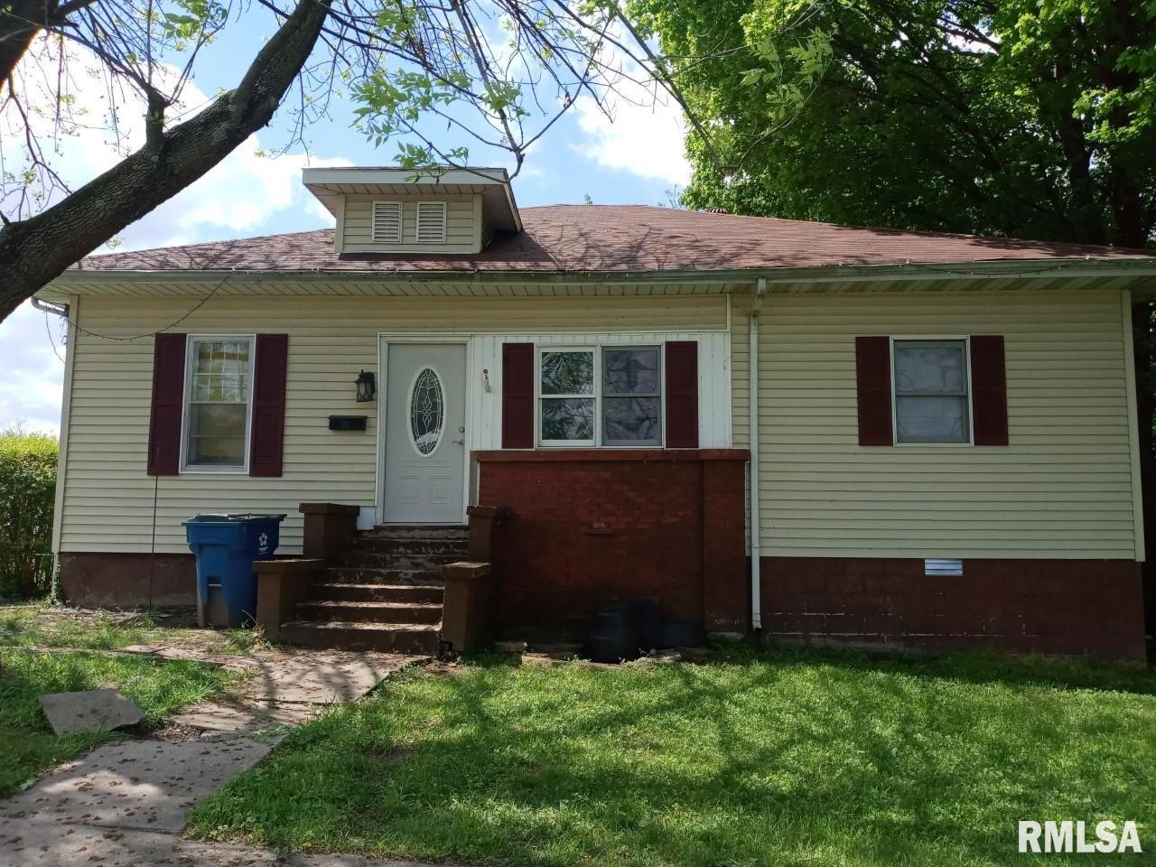 302 Lafayette Street Property Photo 1