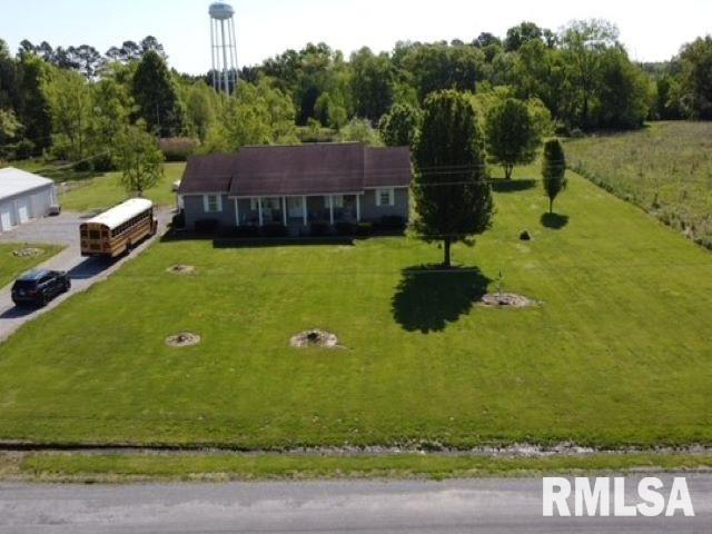 11902 Greg Property Photo - Sesser, IL real estate listing