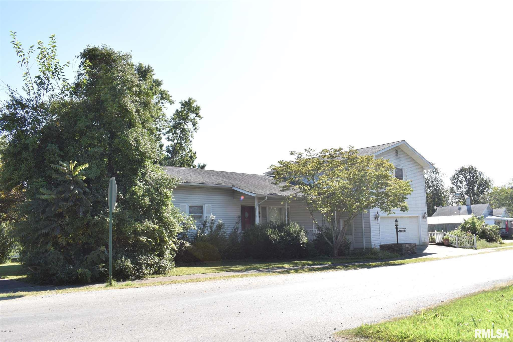1008 Davis Avenue Property Photo 1
