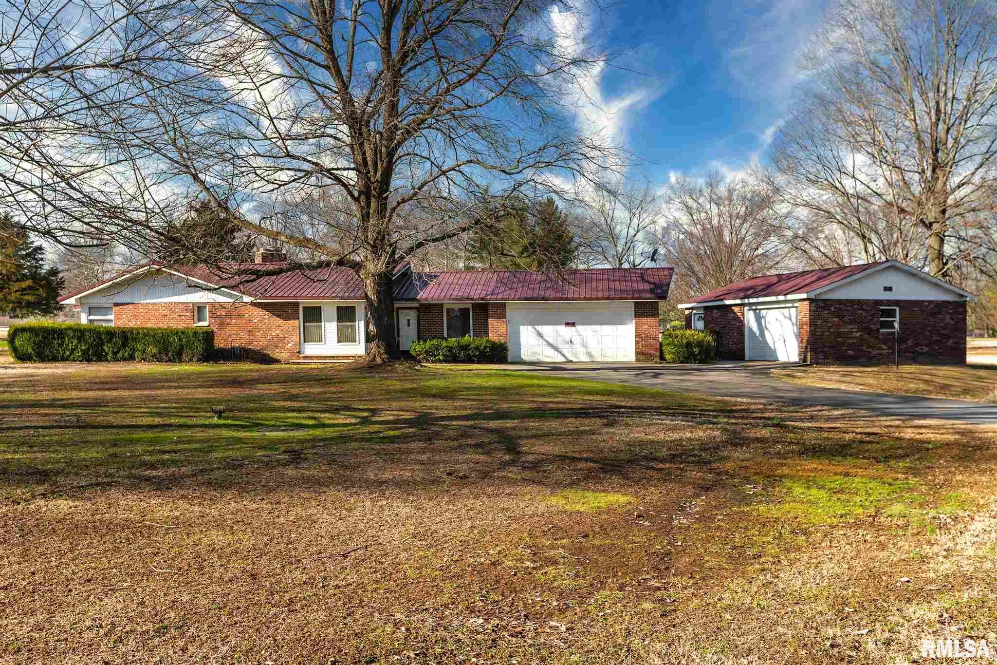 419 Lake Shore Drive Property Photo 1