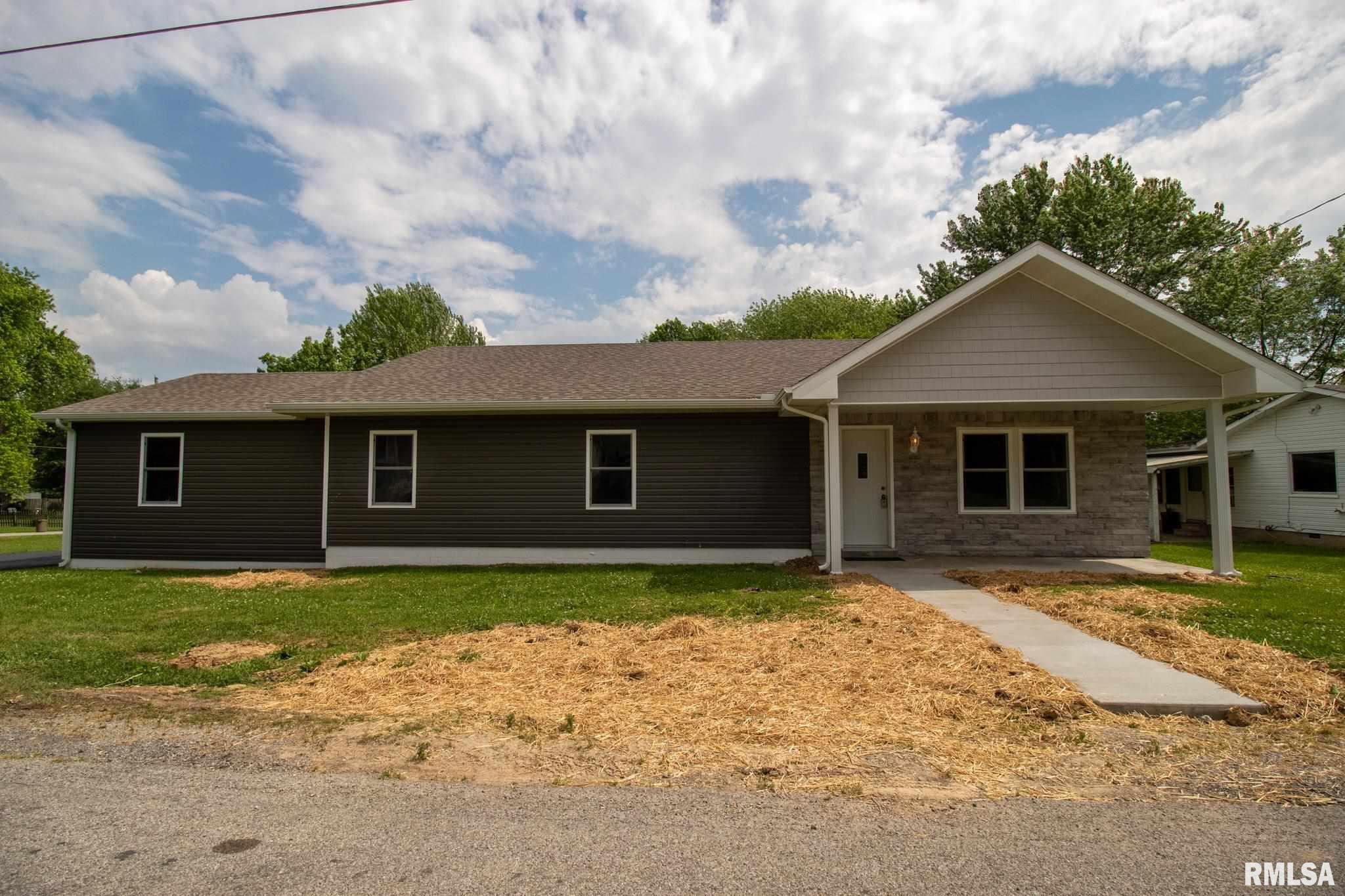 1506 E Clark Street Property Photo 1