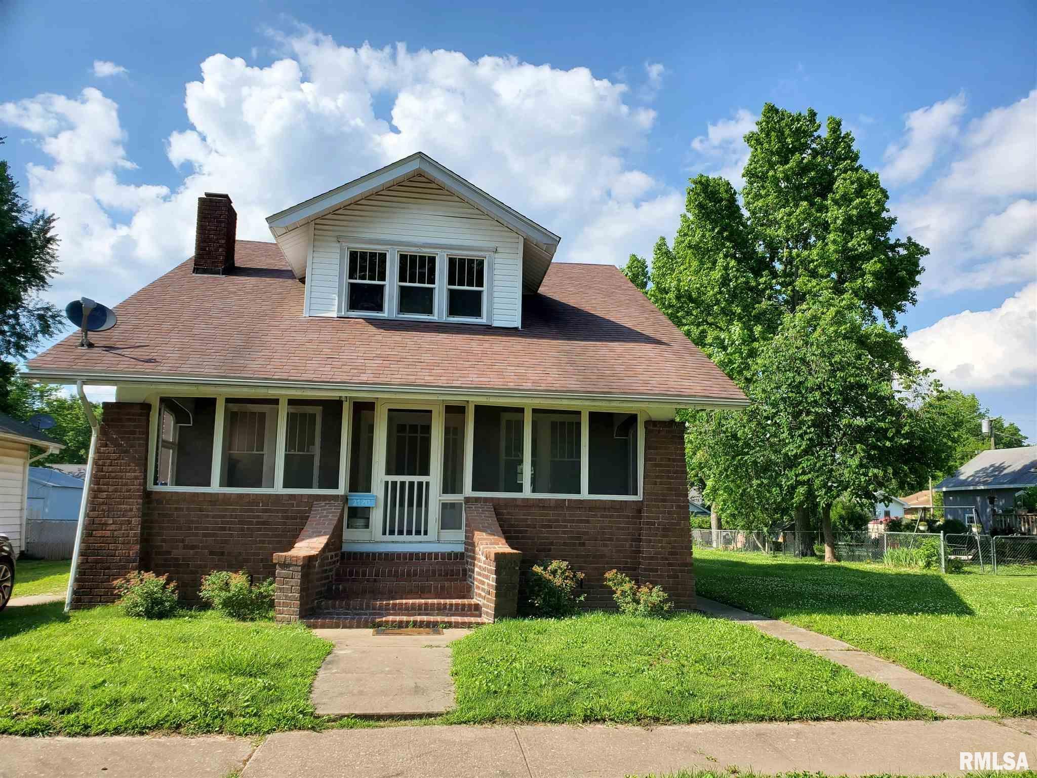 2120 Pine Street Property Photo 1
