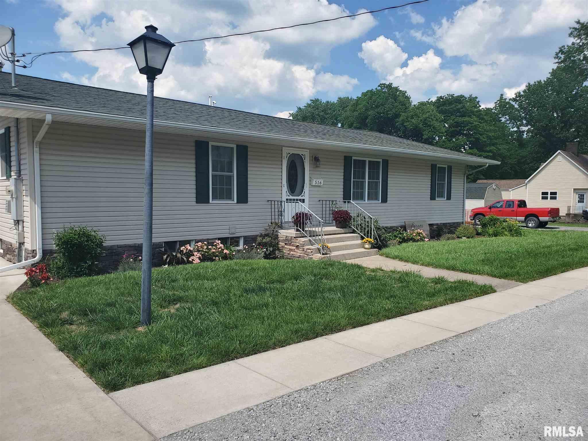 516 E Farris Street Property Photo 1