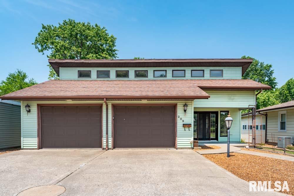 209 N 8th Street Property Photo 1