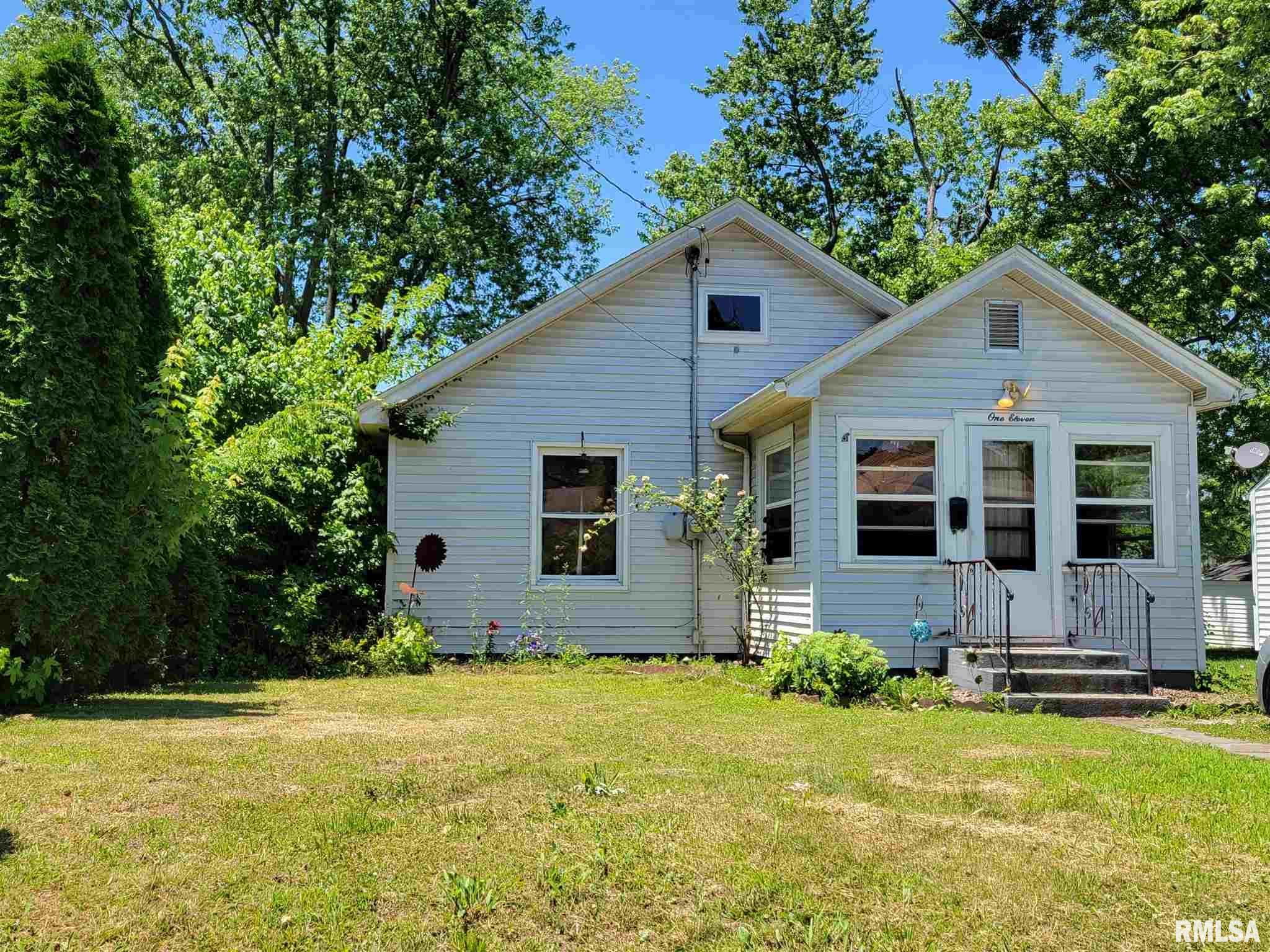 111 Grove Avenue Property Photo 1