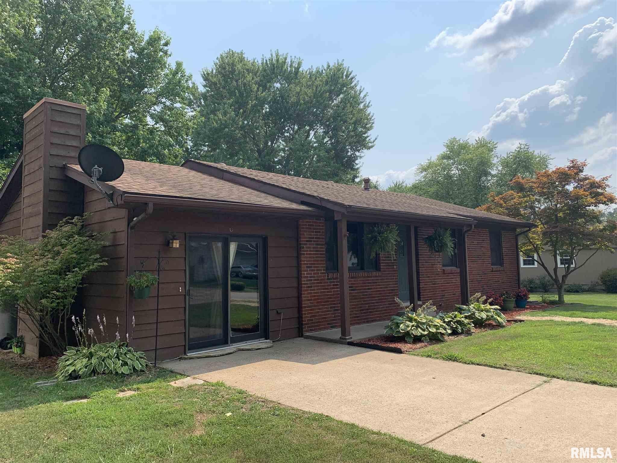 401 Lakeshore Drive Property Photo 1