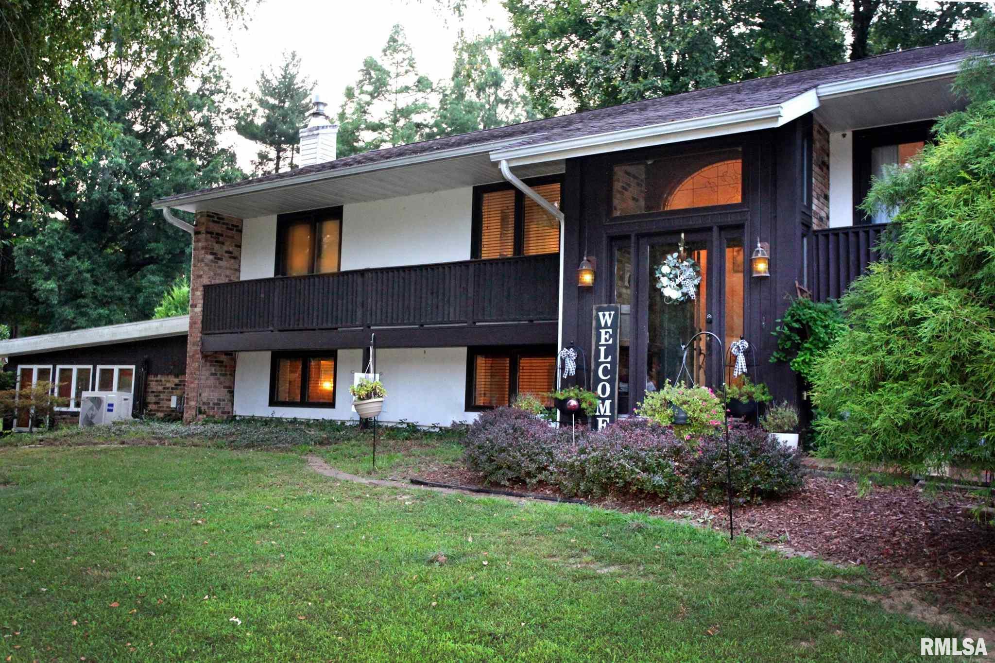 104 S Lark Lane Property Photo 1
