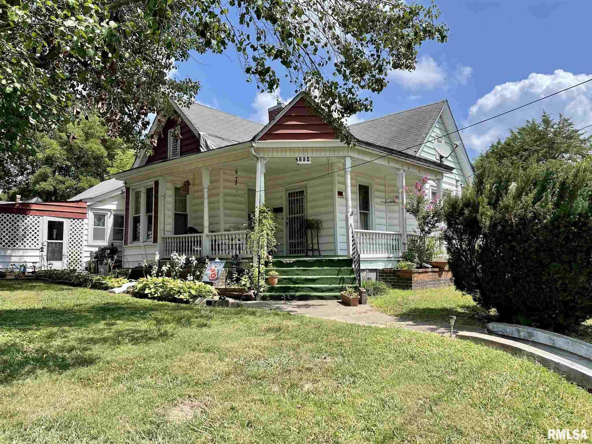 304 E Chestnut Street Property Photo 1