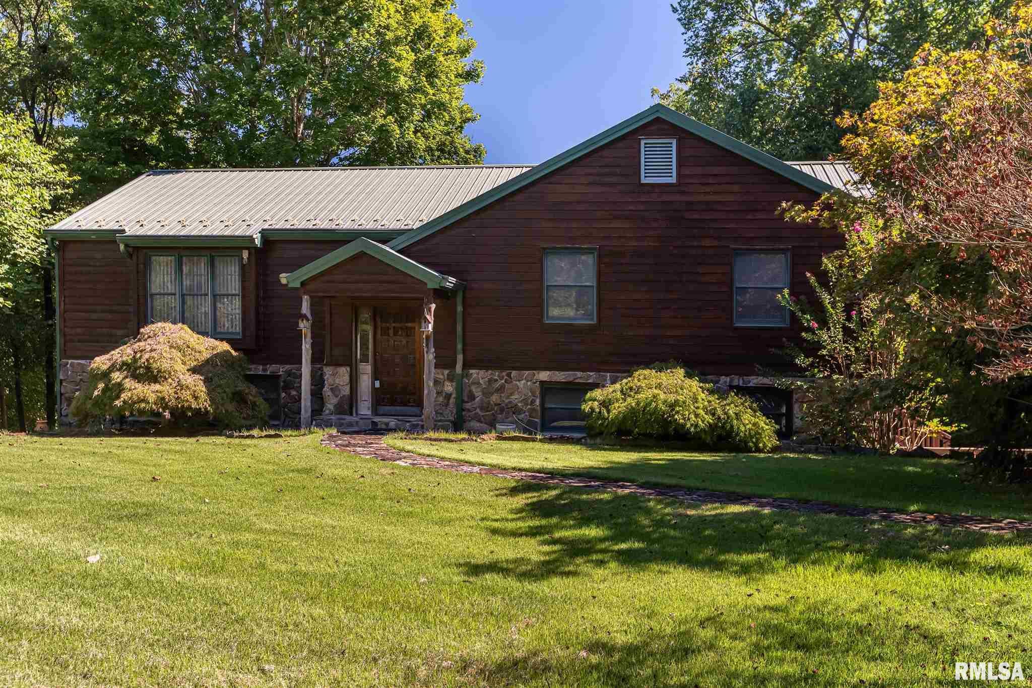 208 Cedar Crest Lane Property Photo 1