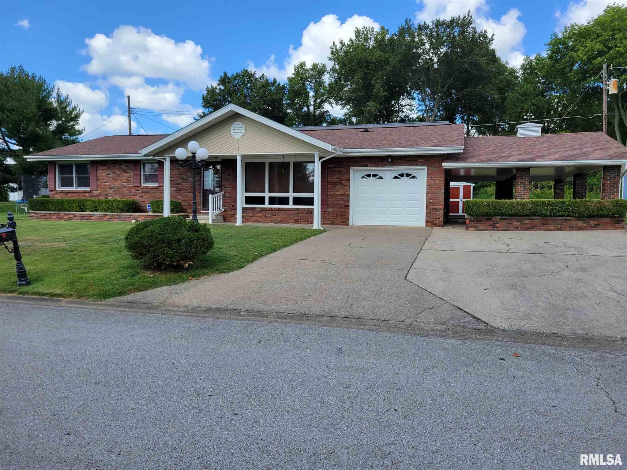 110 Lakeshore Drive Property Photo 1